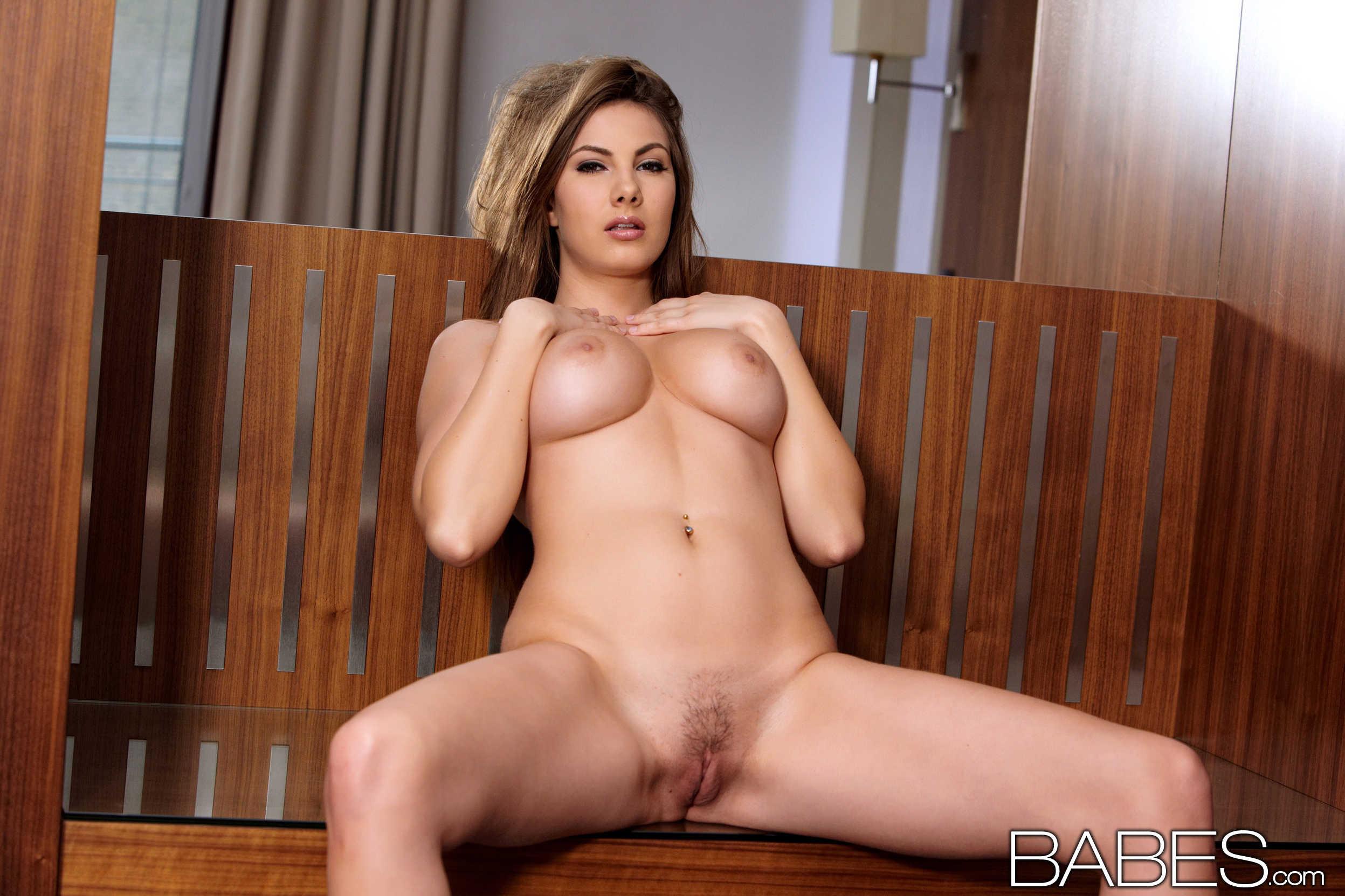 nude skinny girl buttfucks