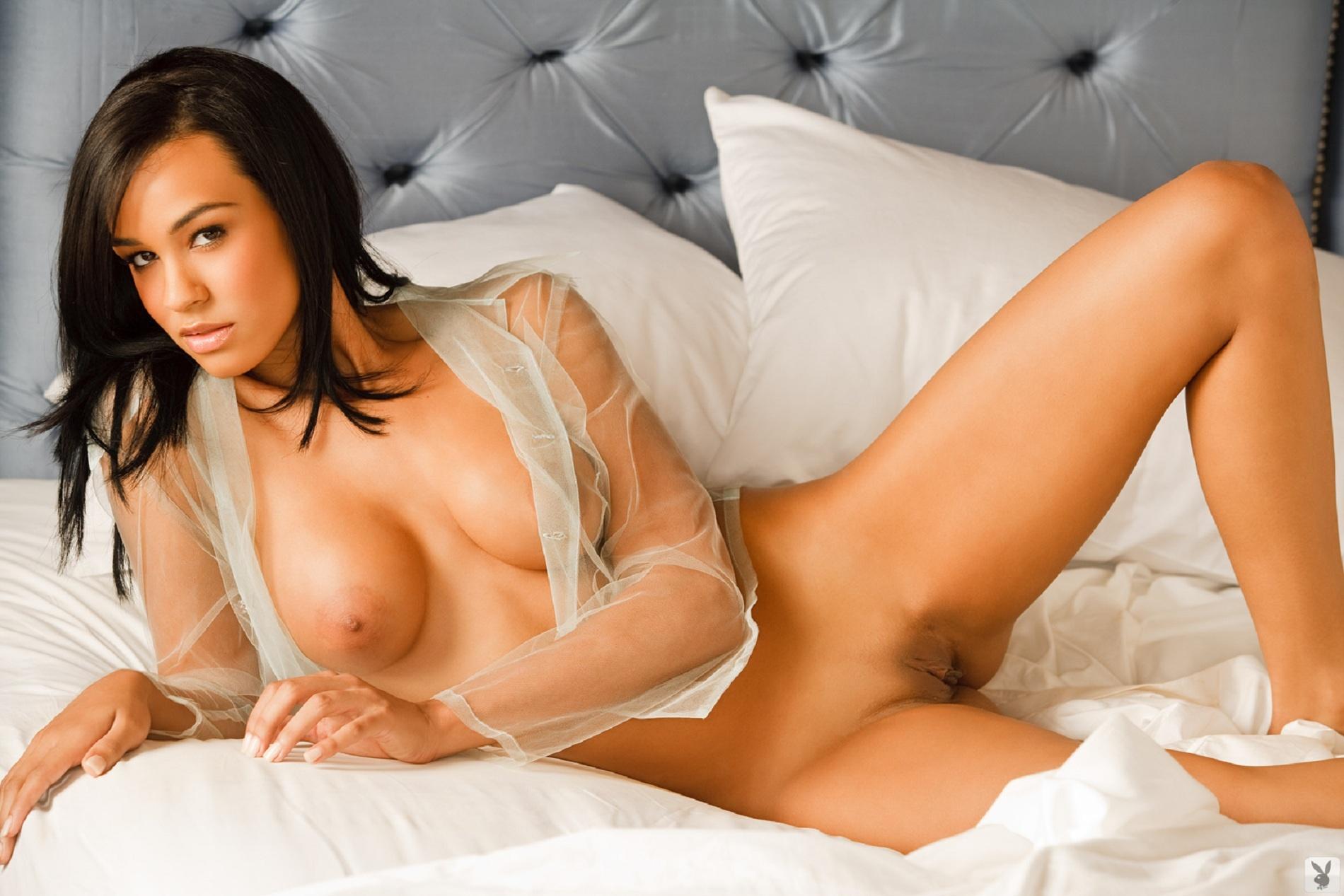 videos desnudos de debby ryan