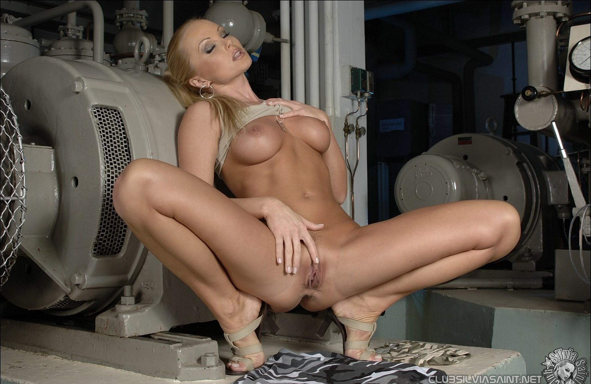 Святая сильвия порно 15 фотография