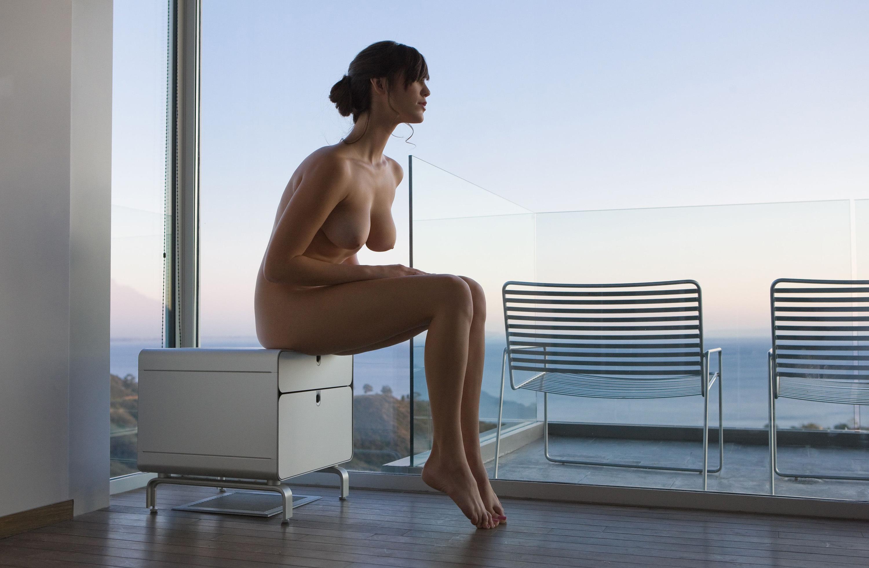 Amatuer nude sexy milf posing in sheer