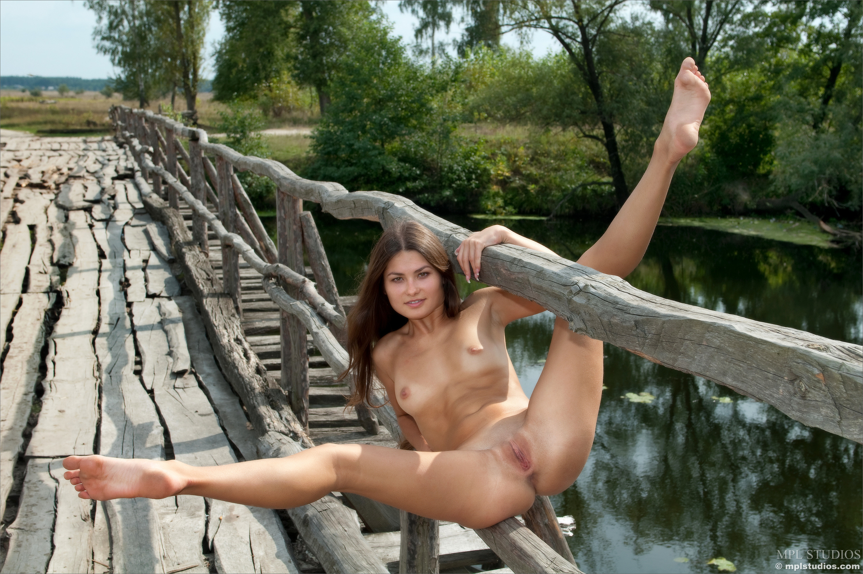 Of Hot Skinny Teens Nude