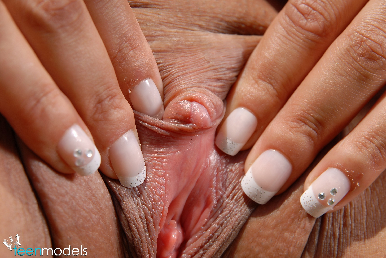 Using ice with clitoris