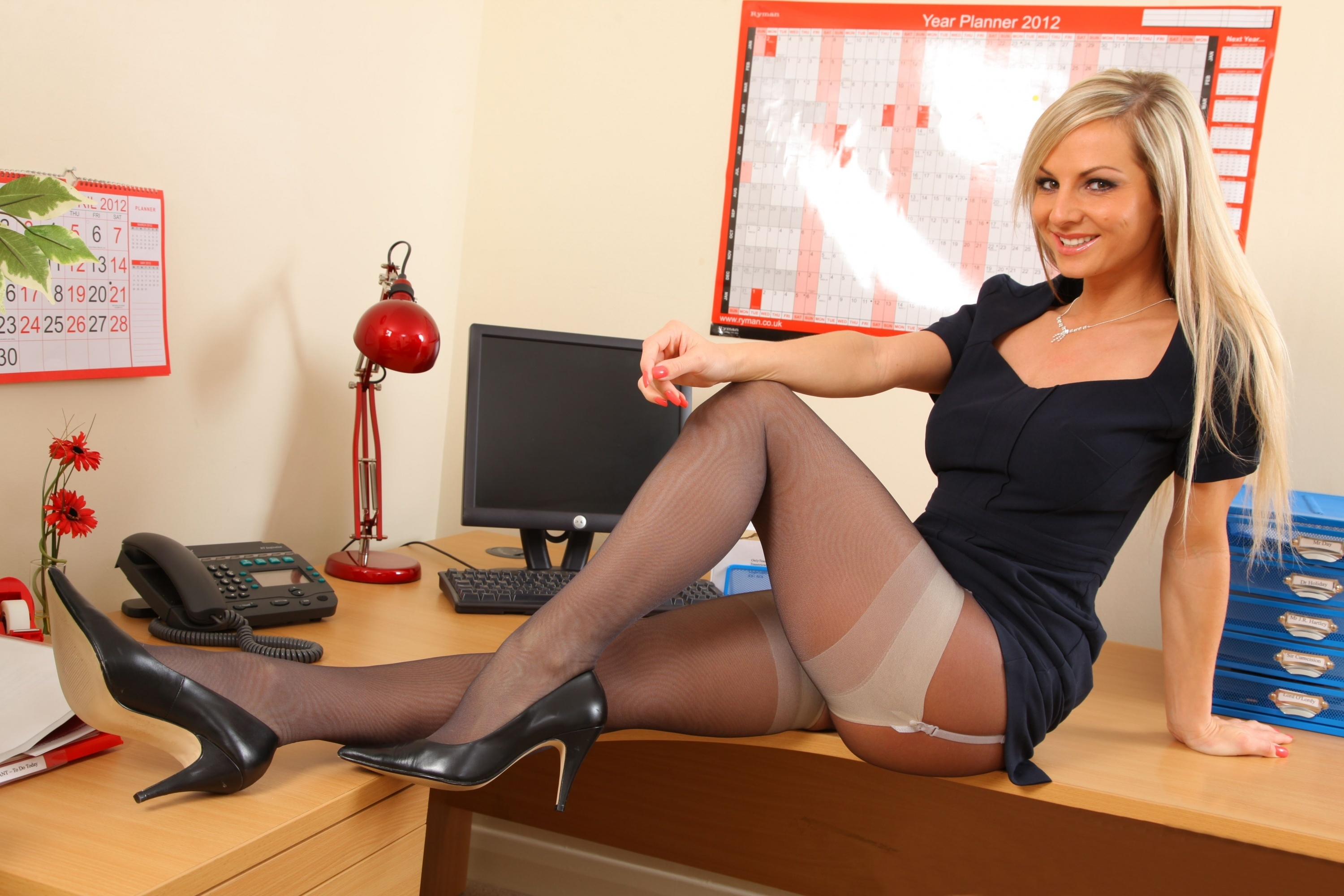 Variants.... pantyhose legs secretary can not