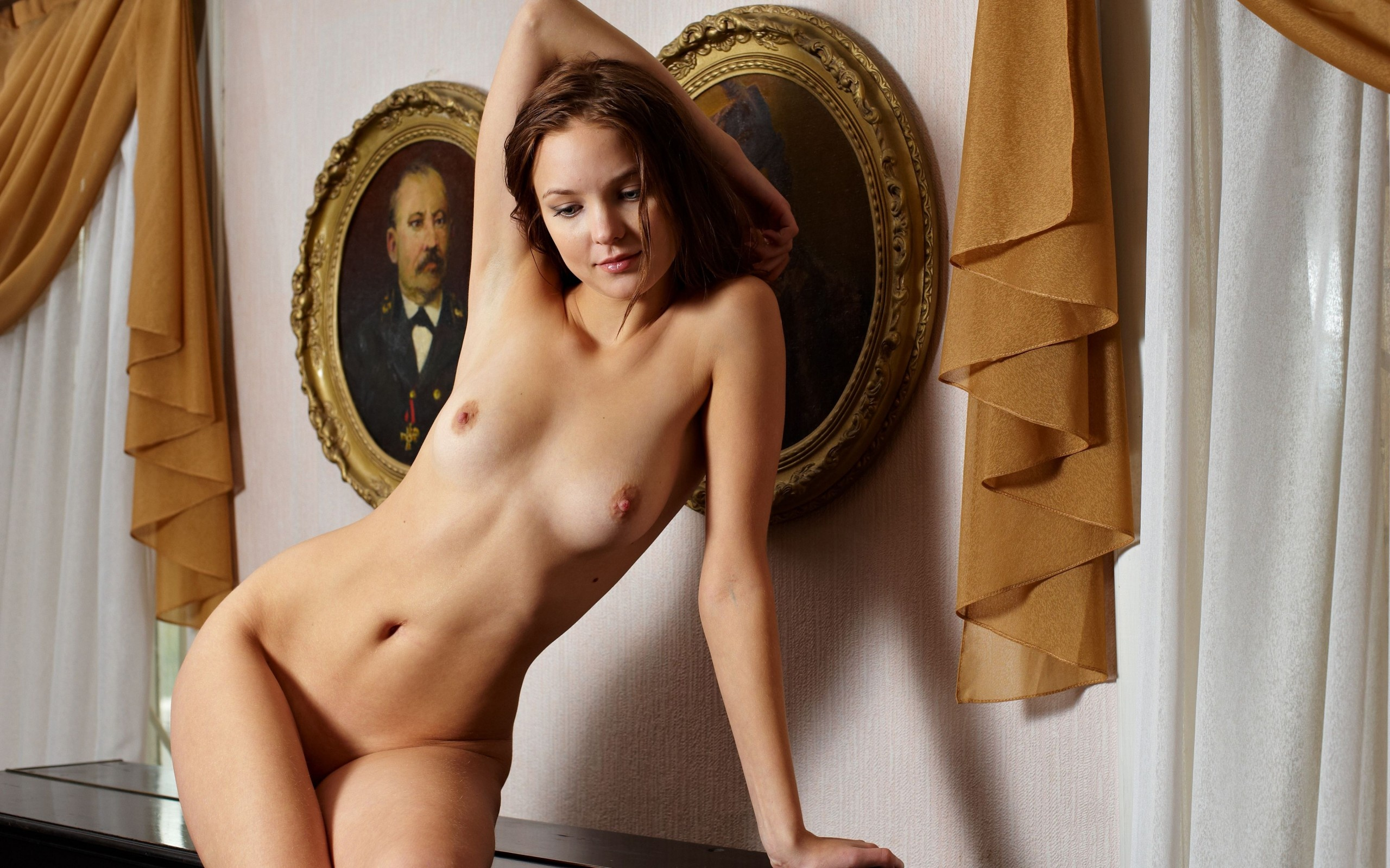 Nude brown hair
