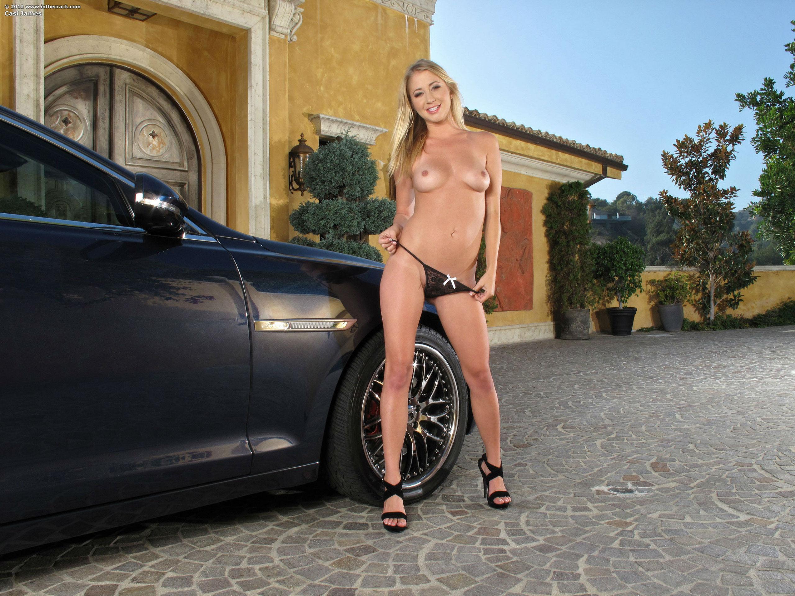 naked girl in drift car