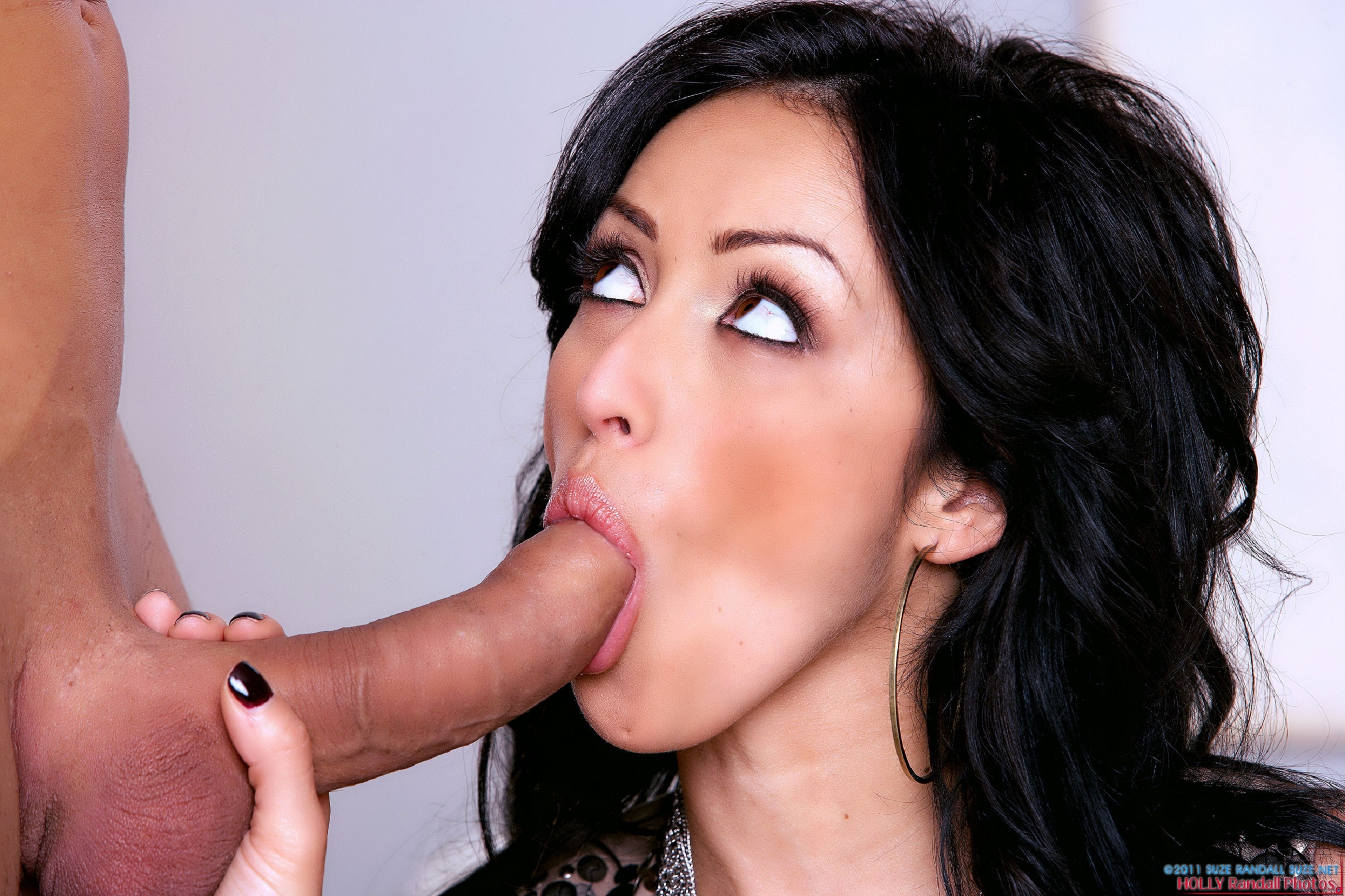 porn-star-ramon-nomar-byance-putting-on-pantyhose