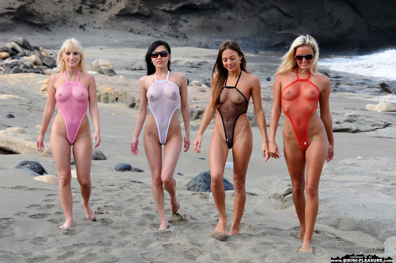 Девушки в эро купальниках фото