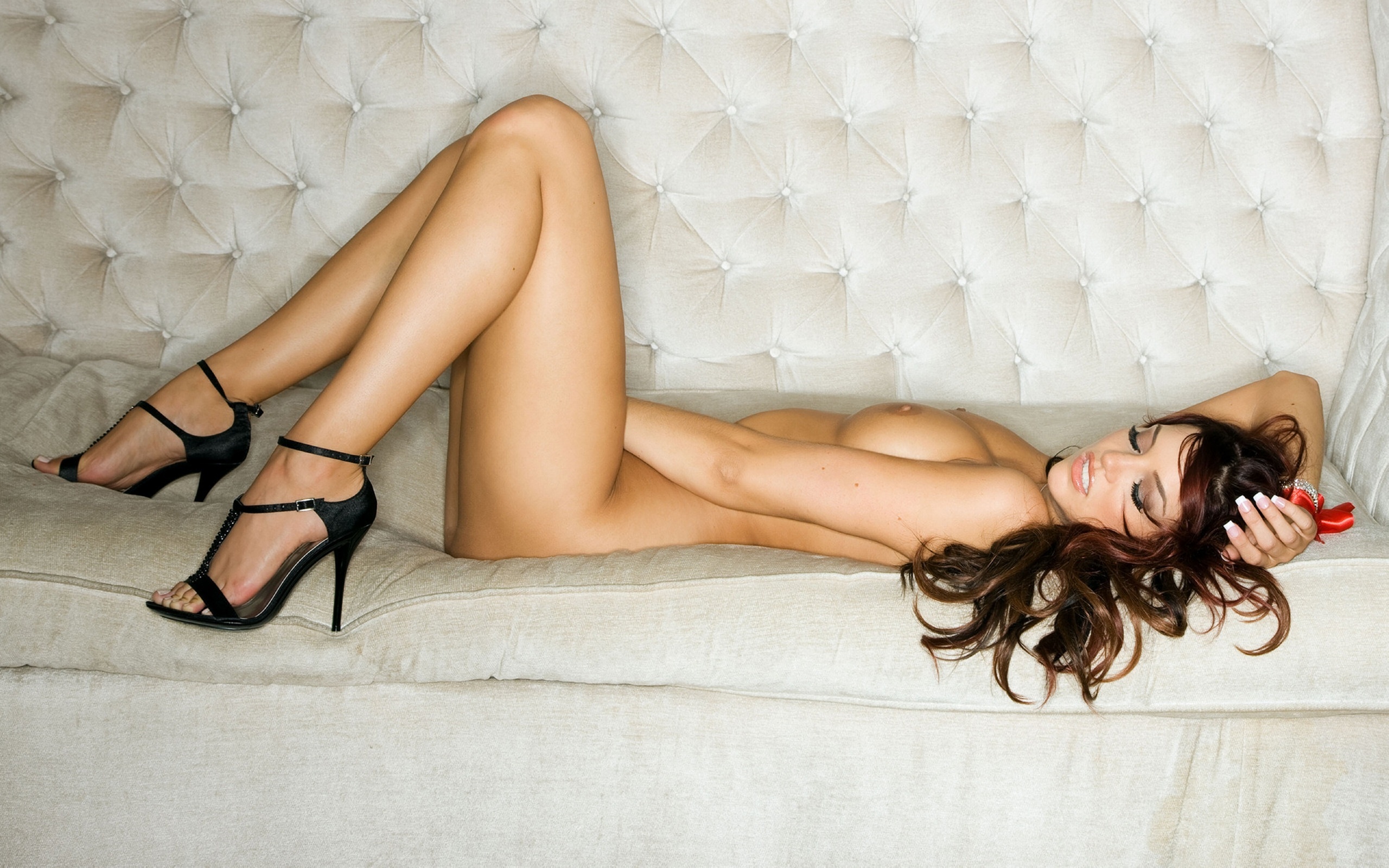 nude-girl-on-haunches-nudes-photos-of-american-girls