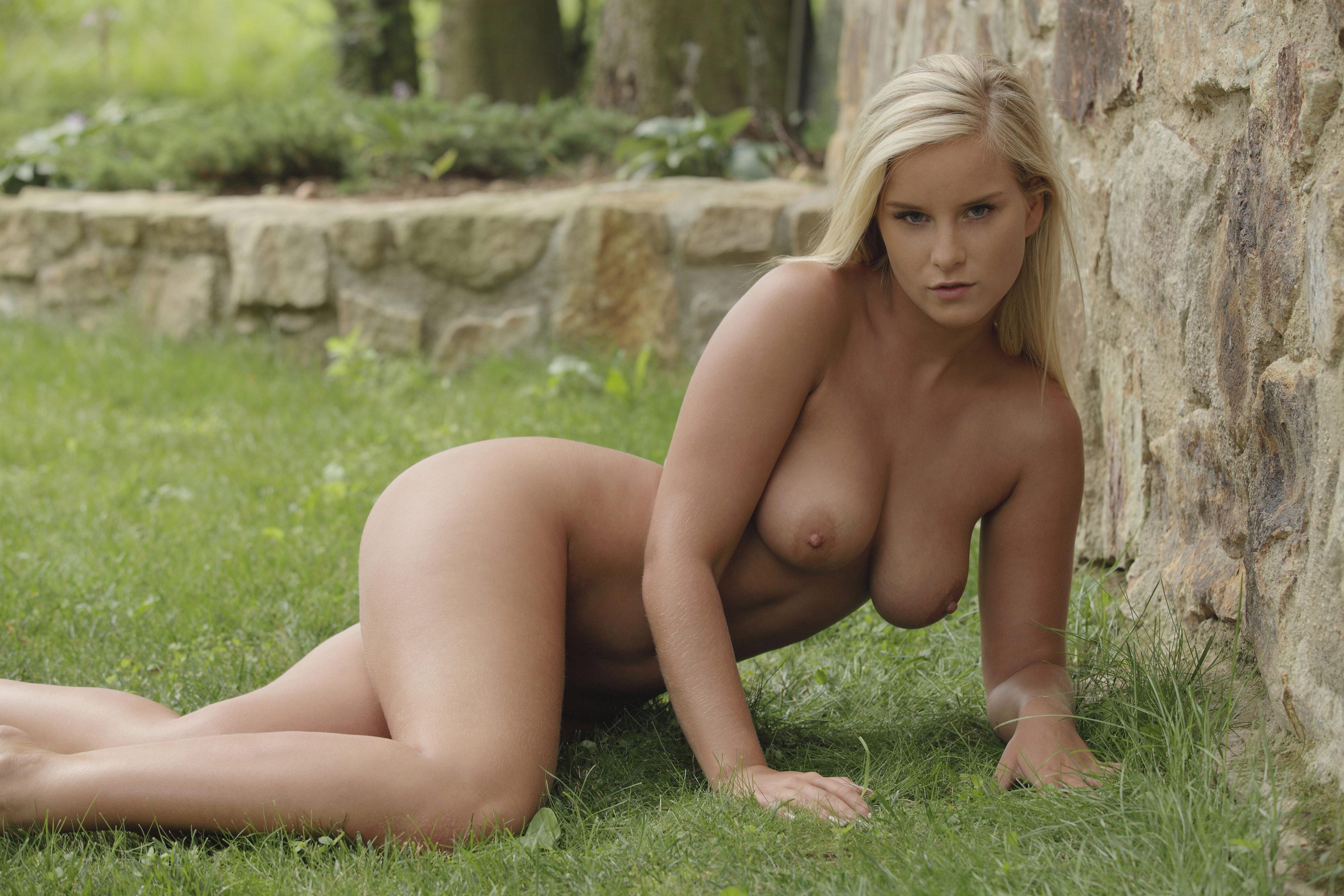 Фото голых юных девушок 15 фотография