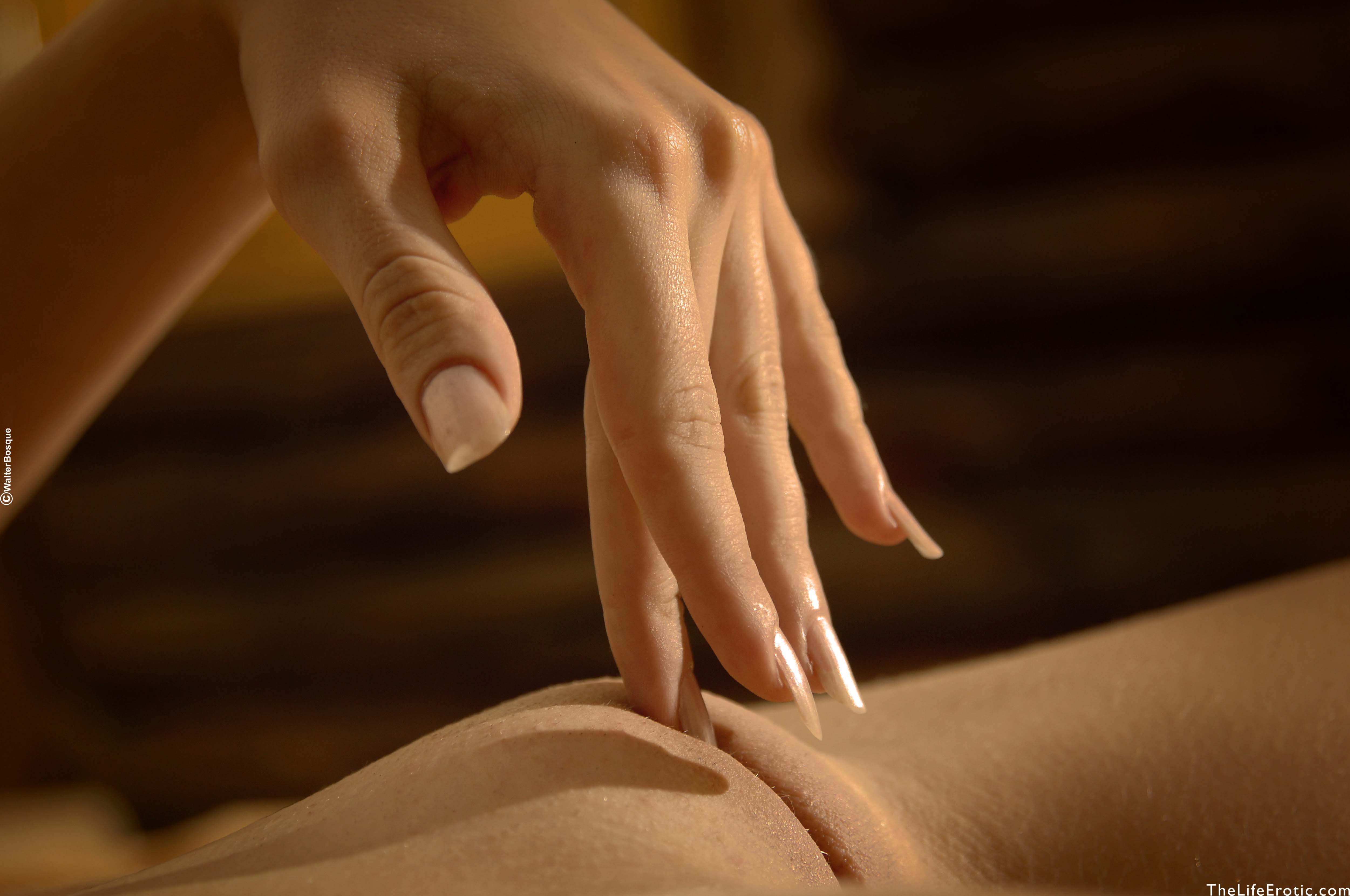 Секс между пальчиков ног 11 фотография