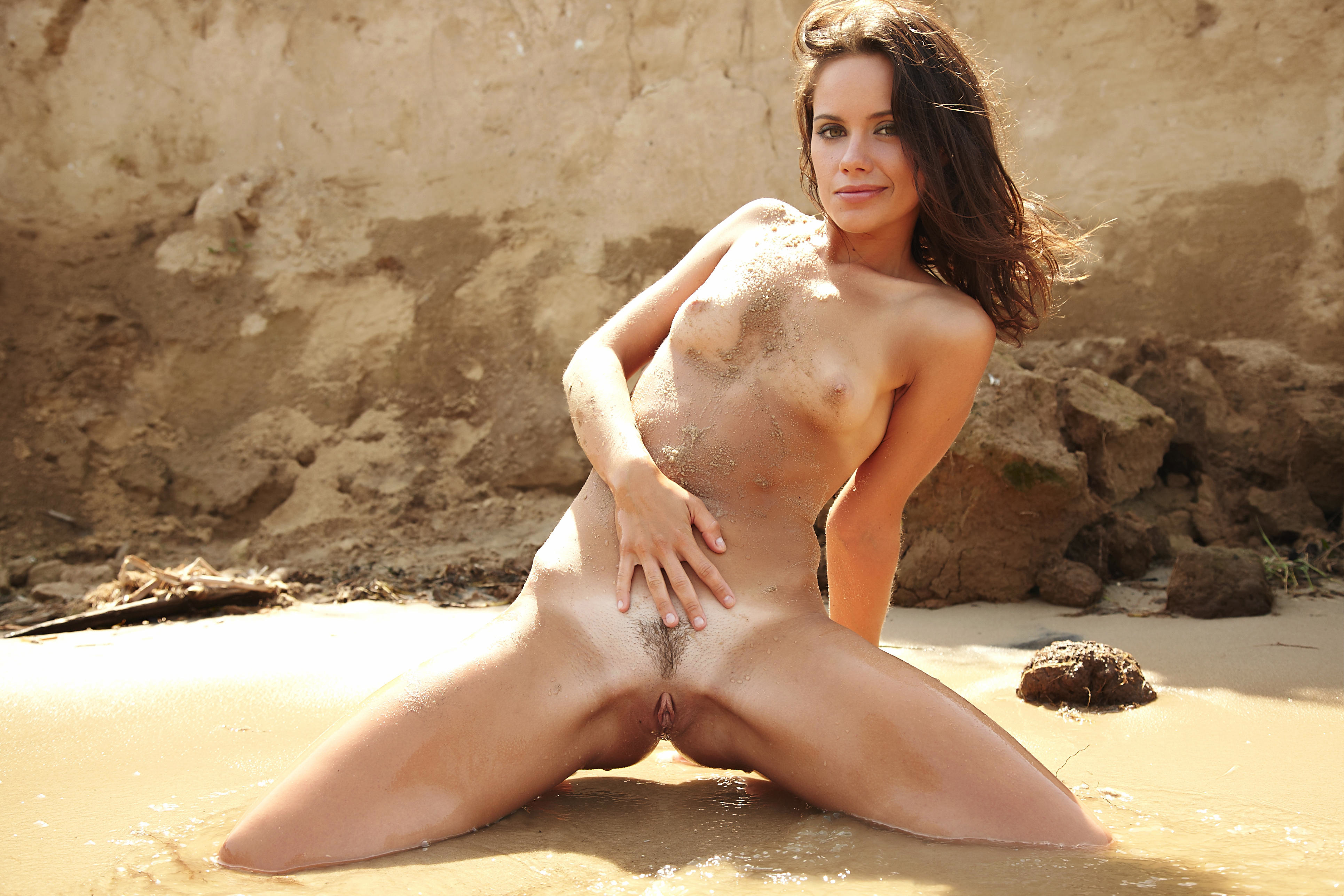 young girl bent down nude