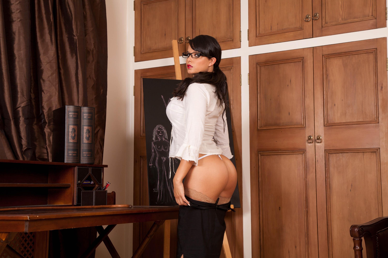 Строгая и сексуальная училка 5 фотография