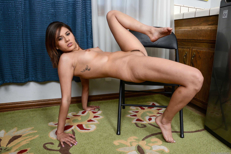 Naked amateur tattoo girl speaking