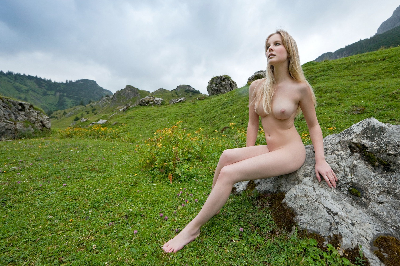 naked-scottish-woman-handjob-videos-muscle
