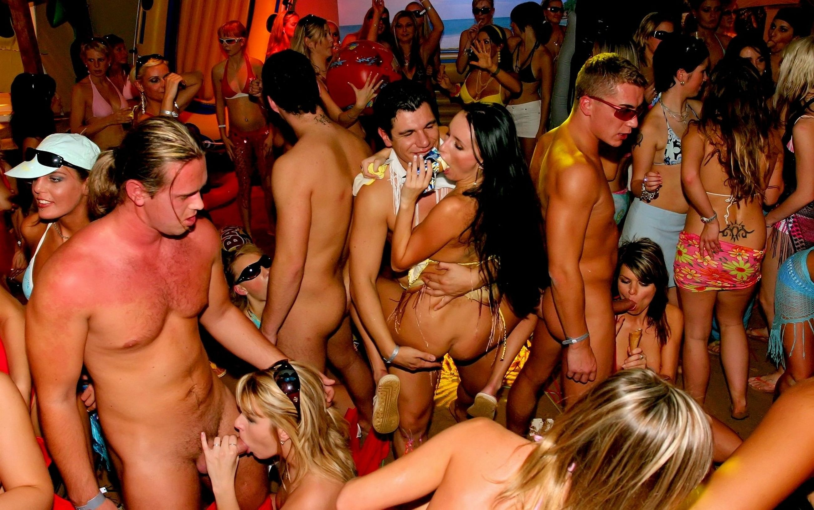 Секс вечеринка на ибице 14 фотография