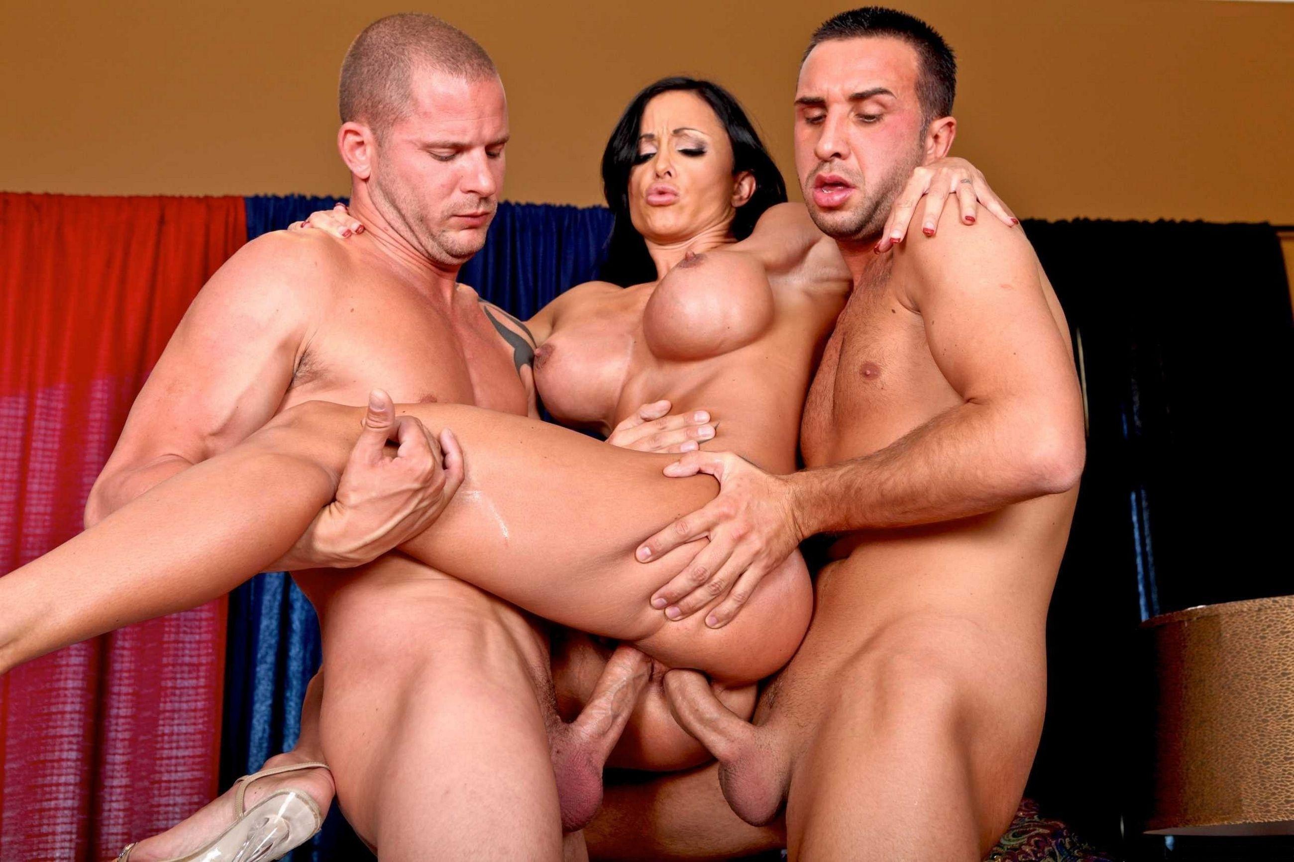 Секс с большими сиськами онлайн 16 фотография