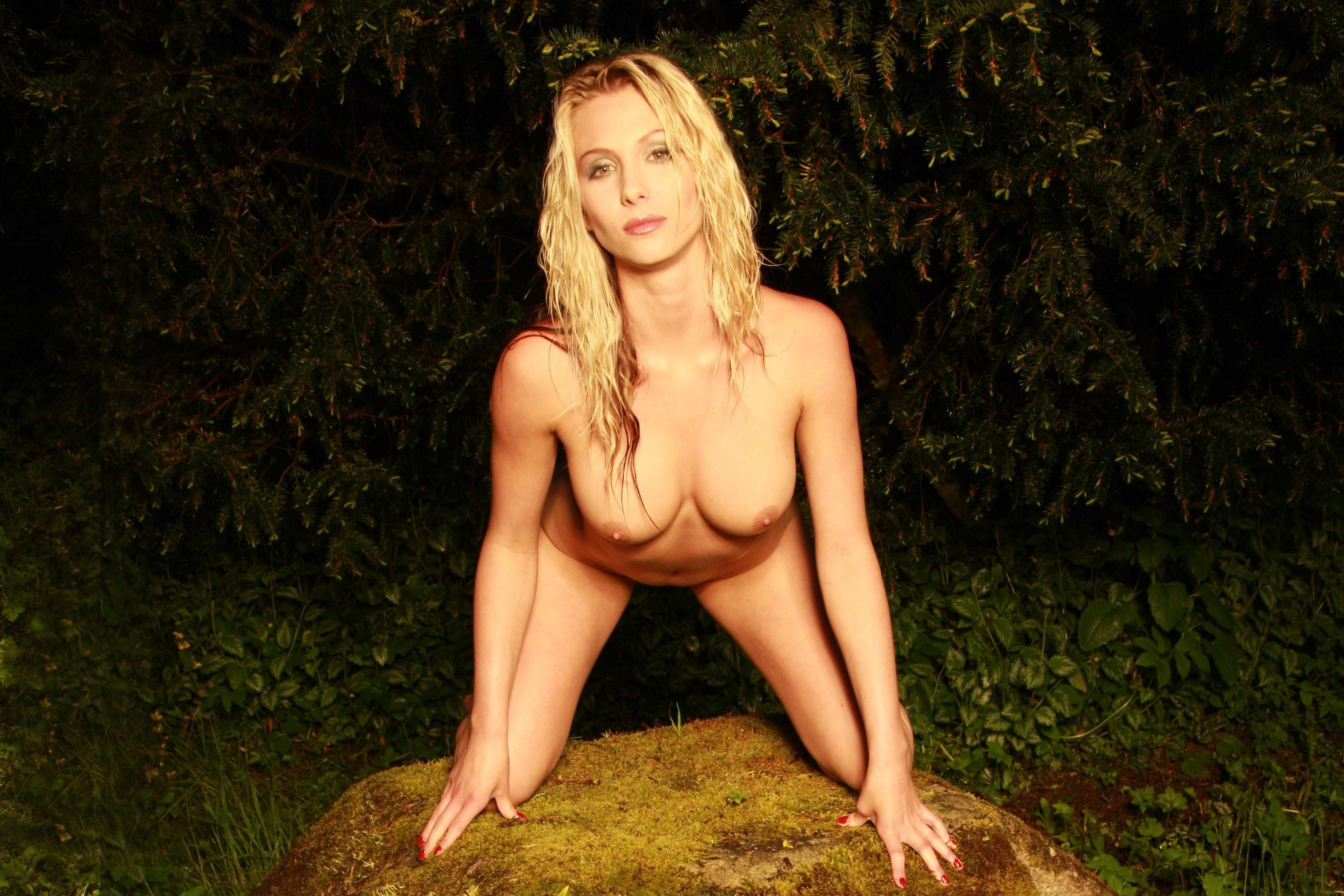 amanda donohoe nude jeanne tripplehorn