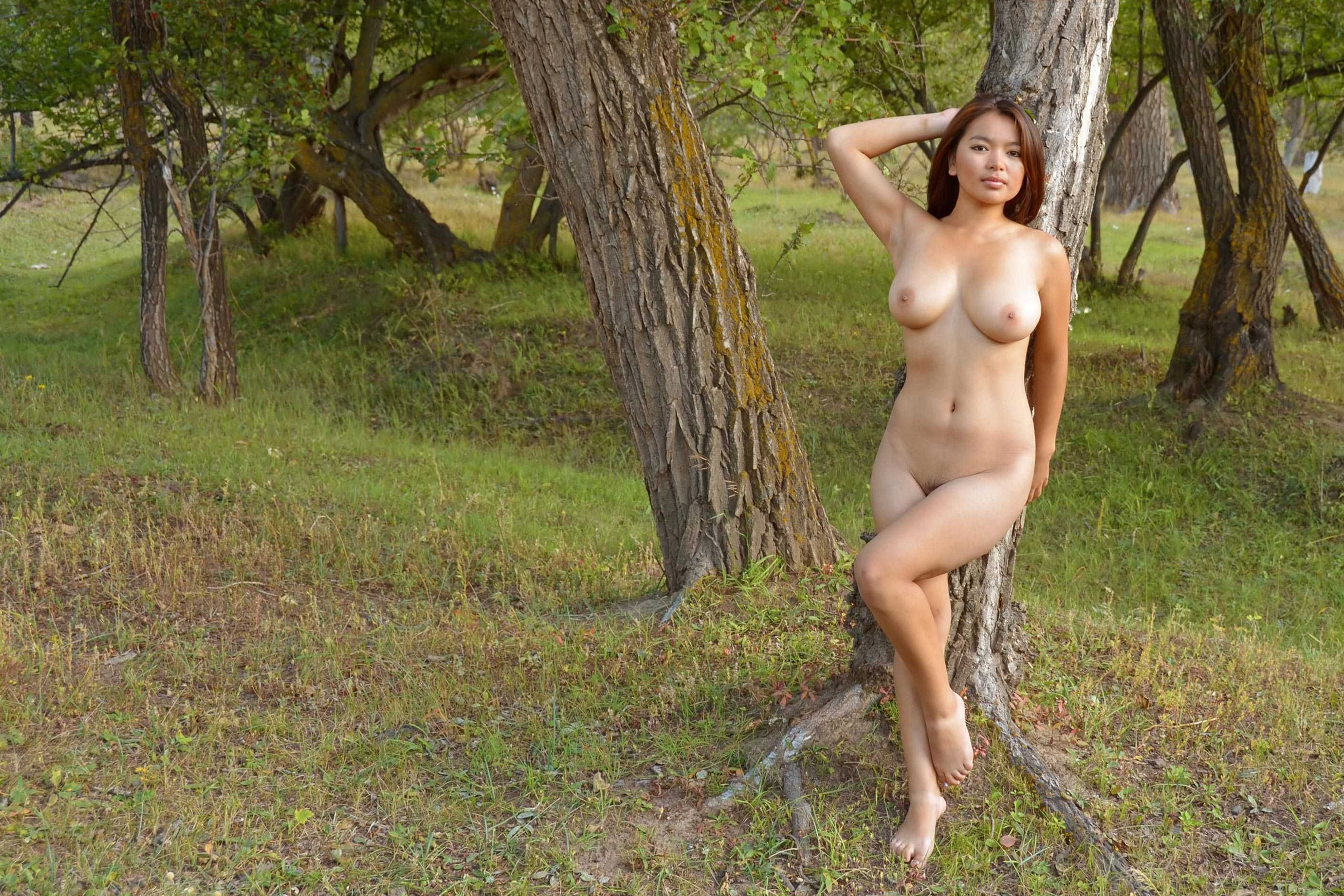 Can Naked asains outdoors sorry, that