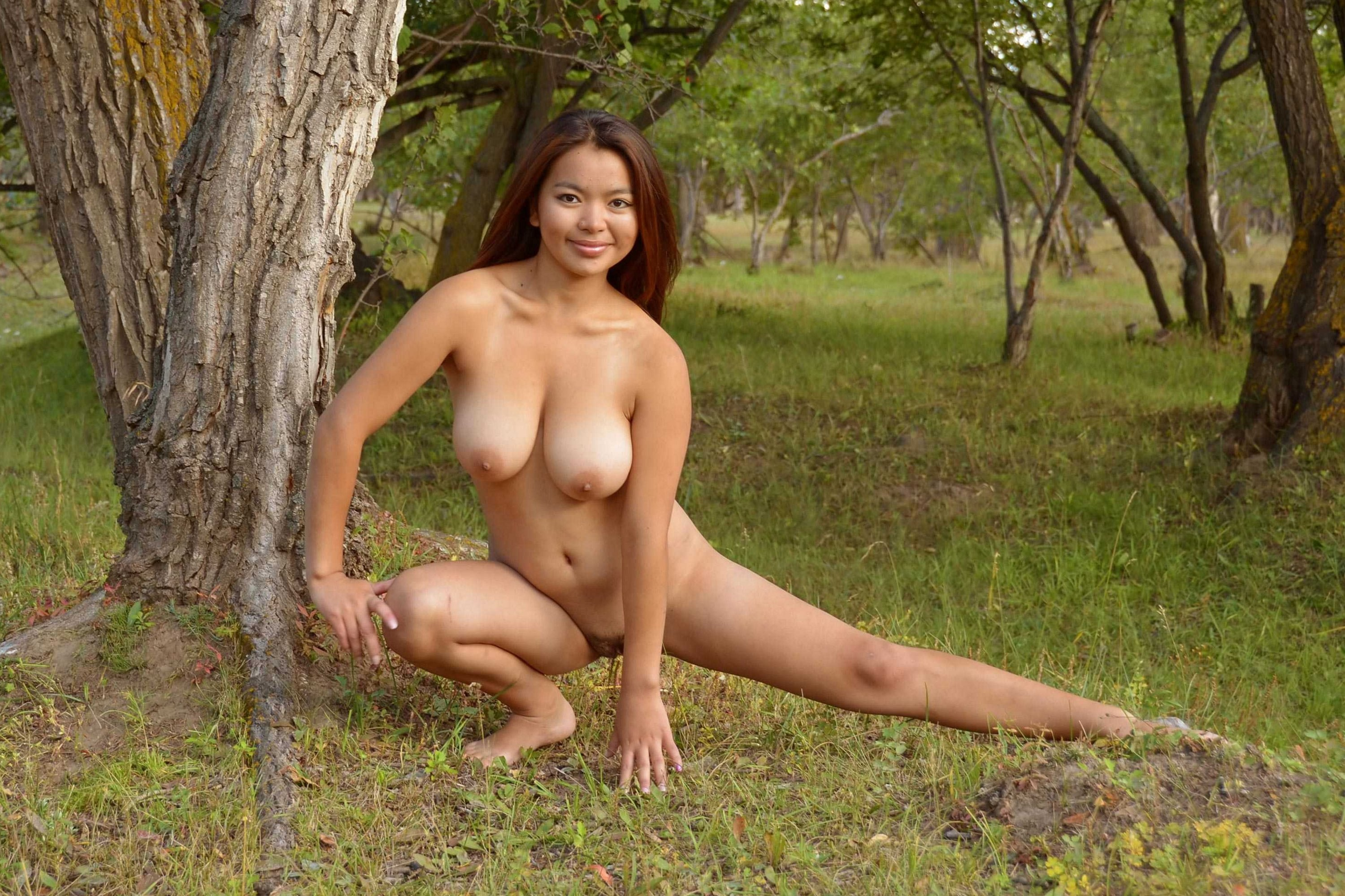 Sexy naked girls outside