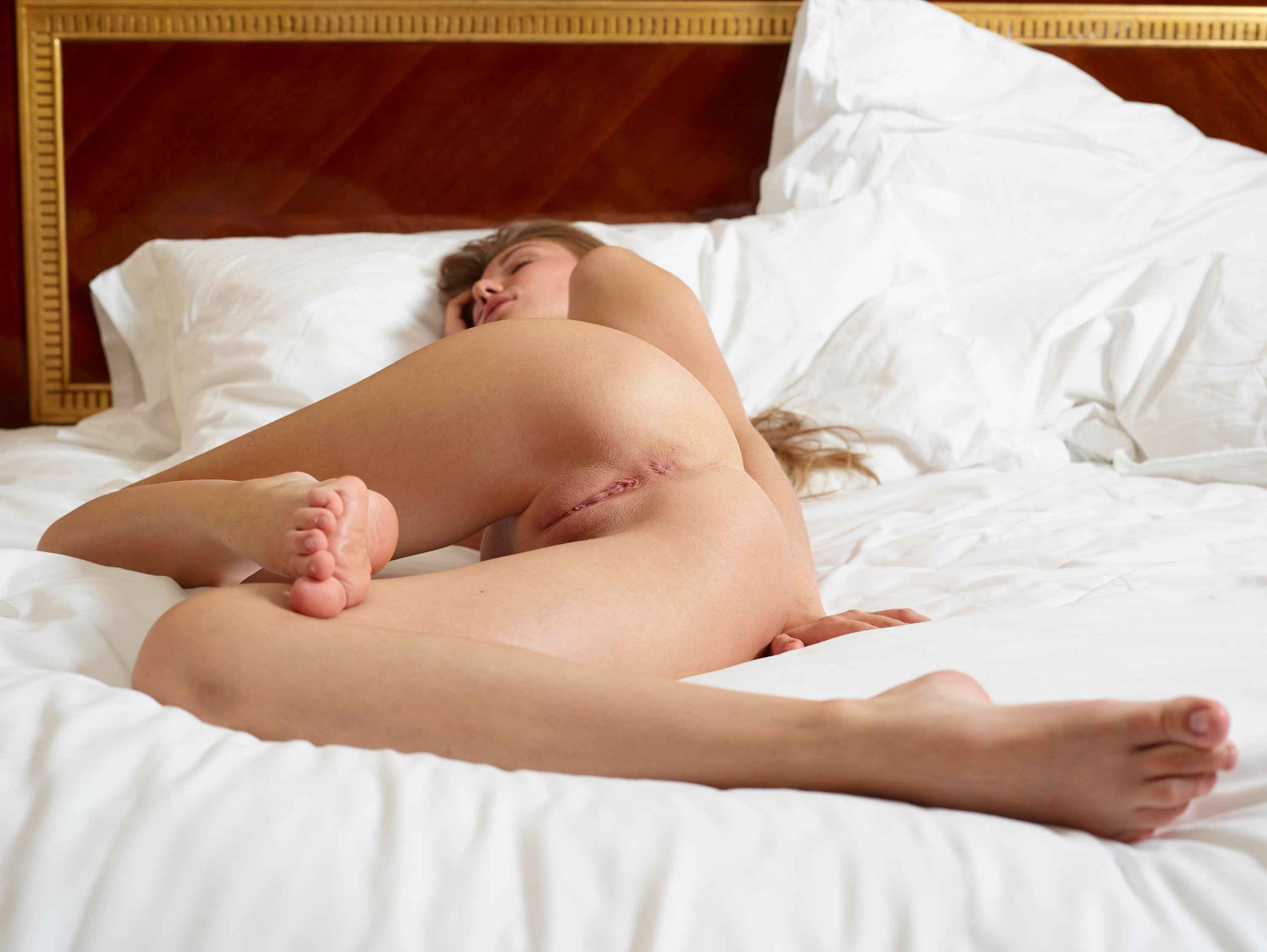 Naked picture sleeping woman