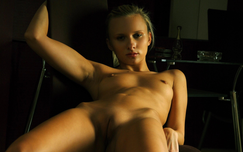 smertefuld anal Simone bryster
