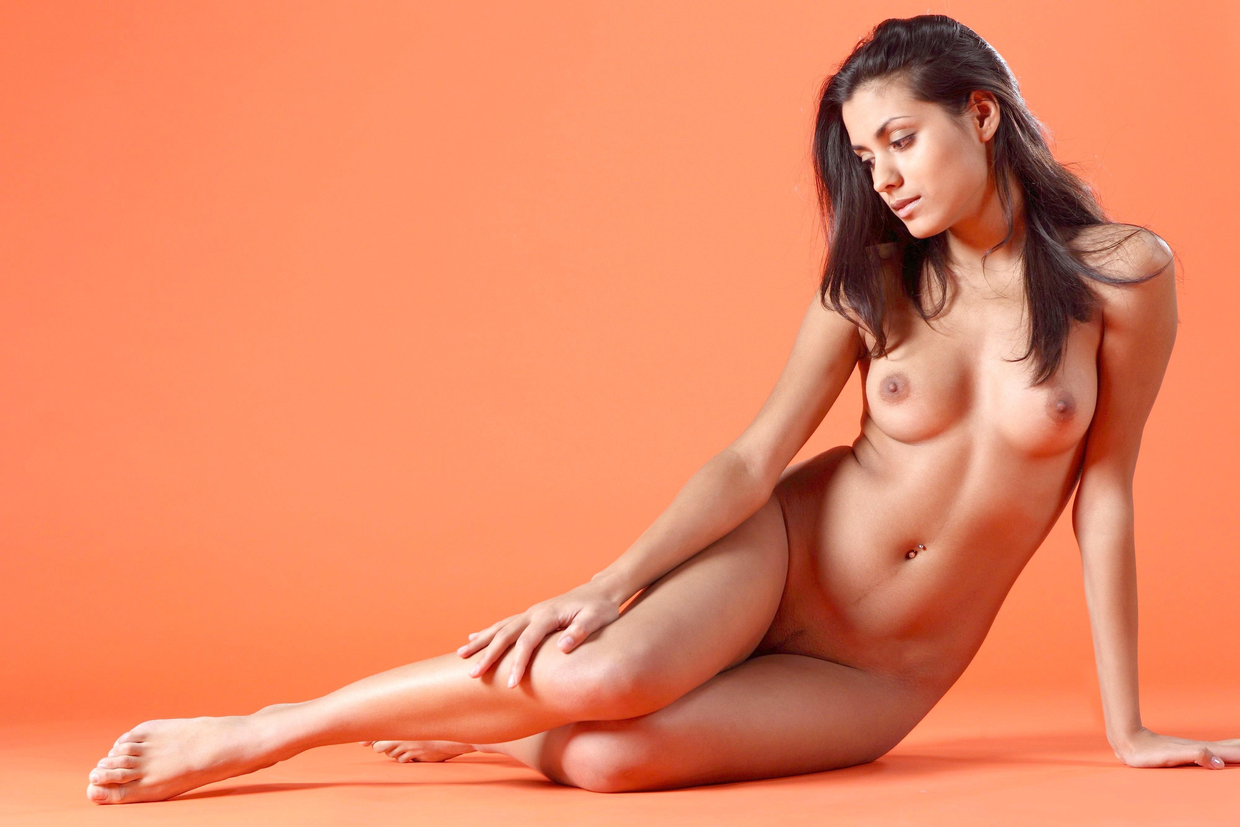fotomodeli-bryunetki-golie