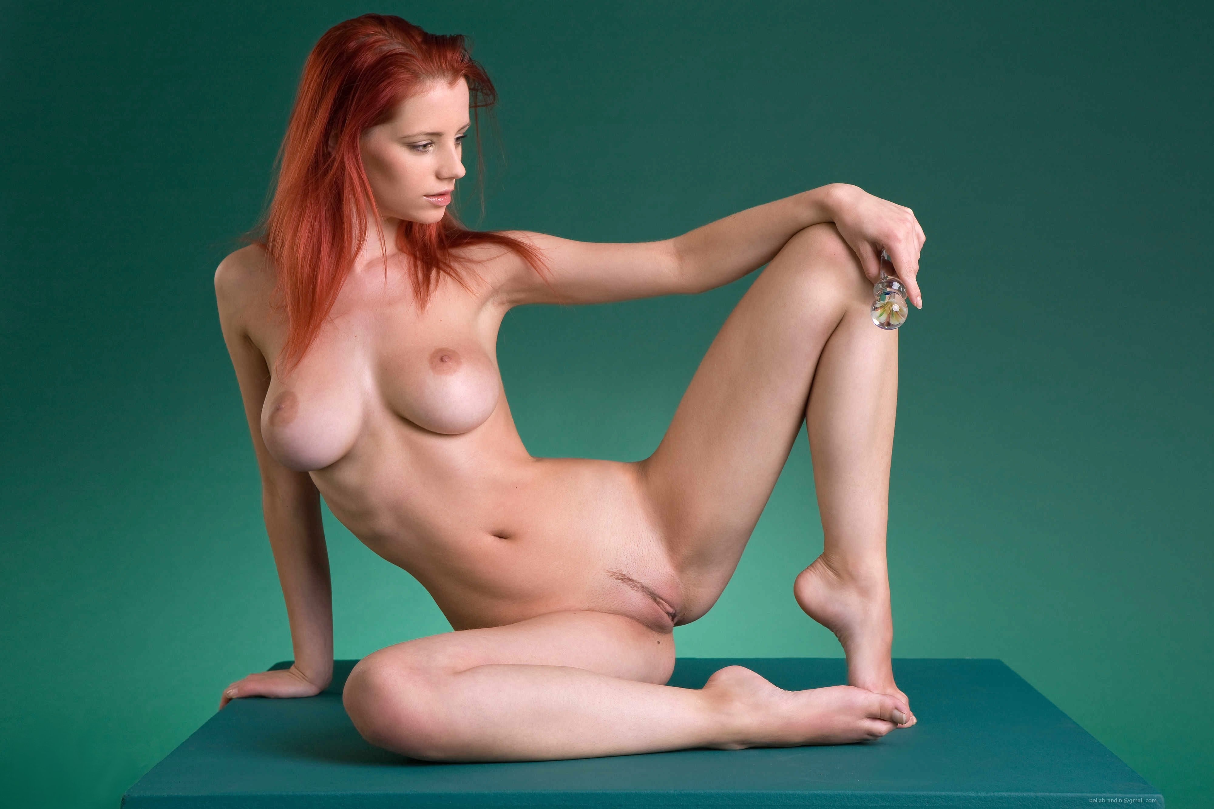 Nude Yoga With Ariel