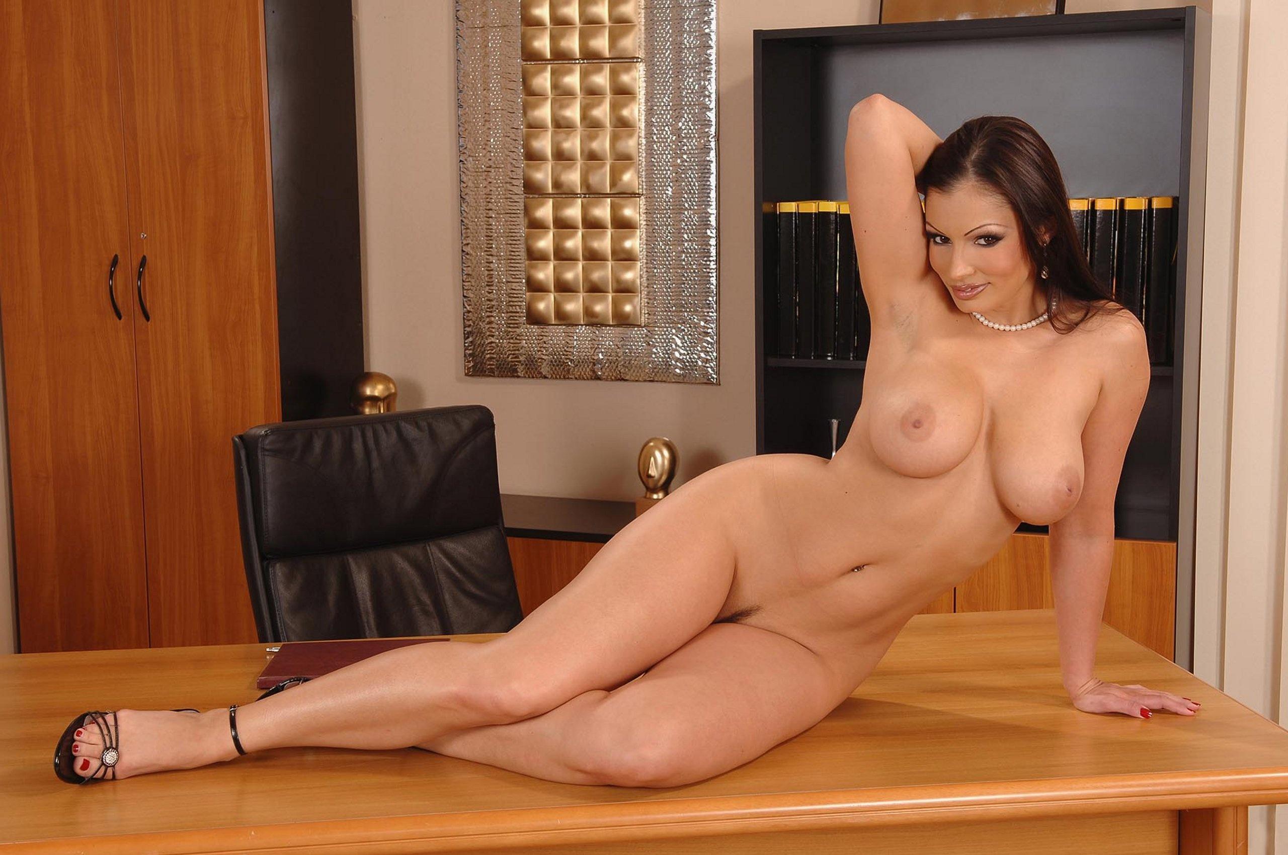 Сочная секретарша порно 21 фотография