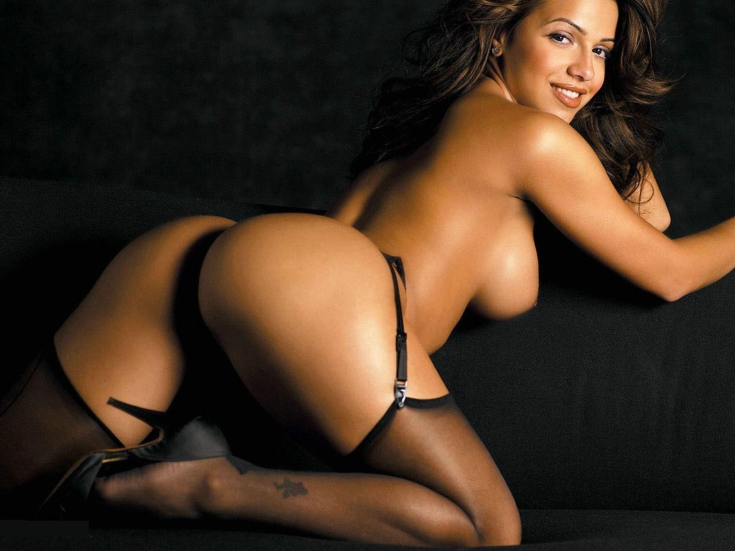 Самые популярные голые девушки 19 фотография