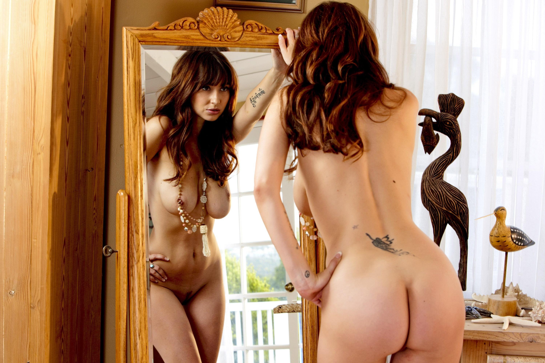 naked women opening her vagina