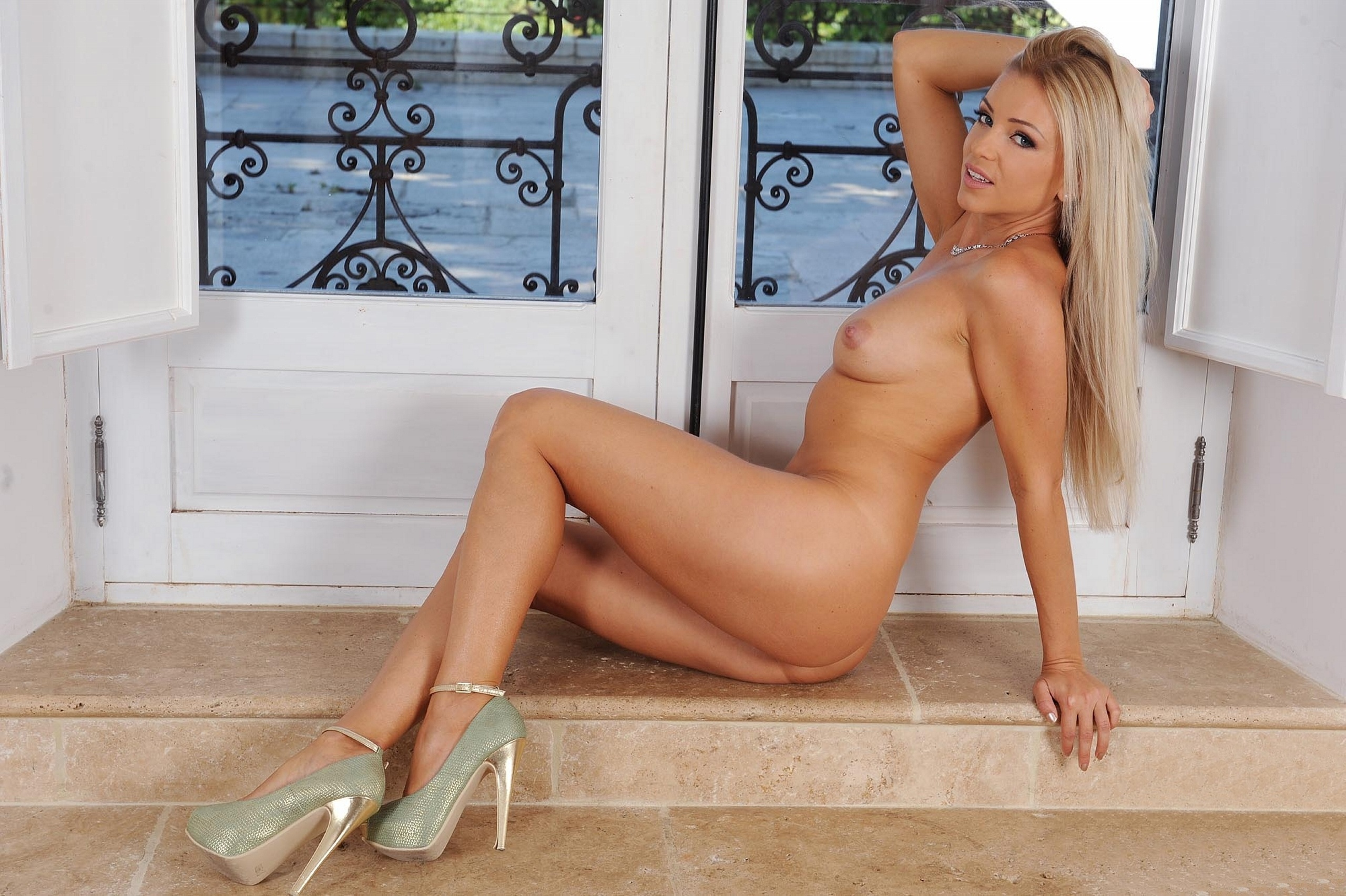 Sex naked high heel pornstars