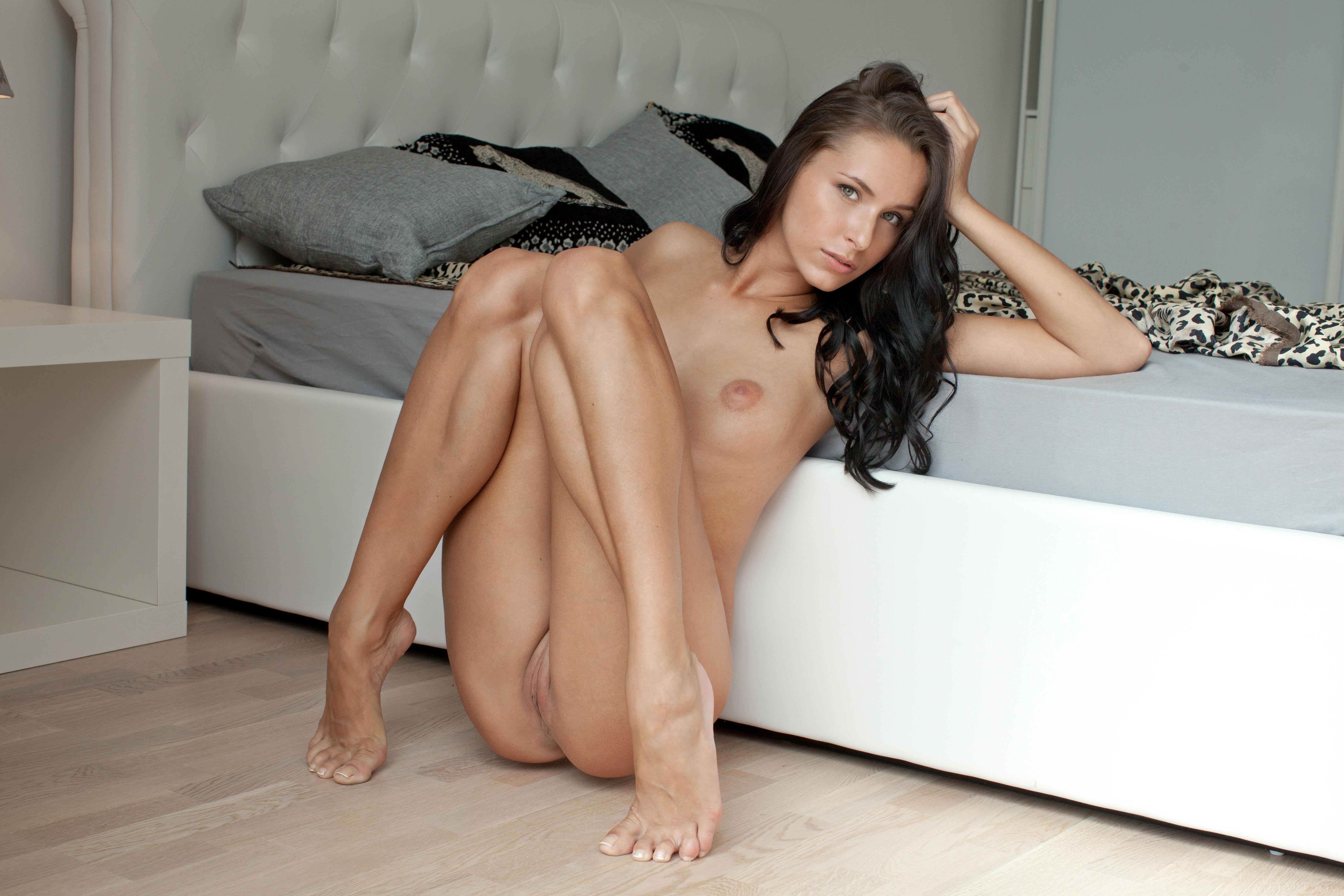 girl naked on her knees sucking dick