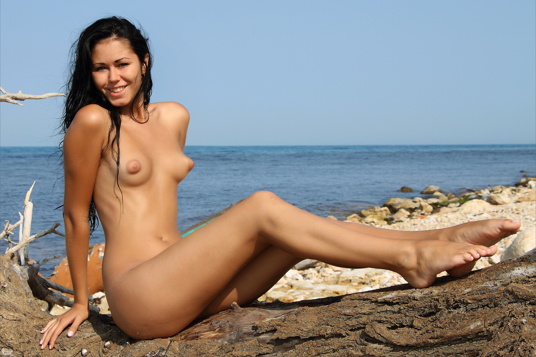 Wallpaper Jubia, Pink, Teen, Pussy, Nude, Beach, Sea, Nipples, Puffy Nipples, Hot Legs, Brunette, Kara, Macy B Desktop Wallpaper - Girls  Beaches -6163