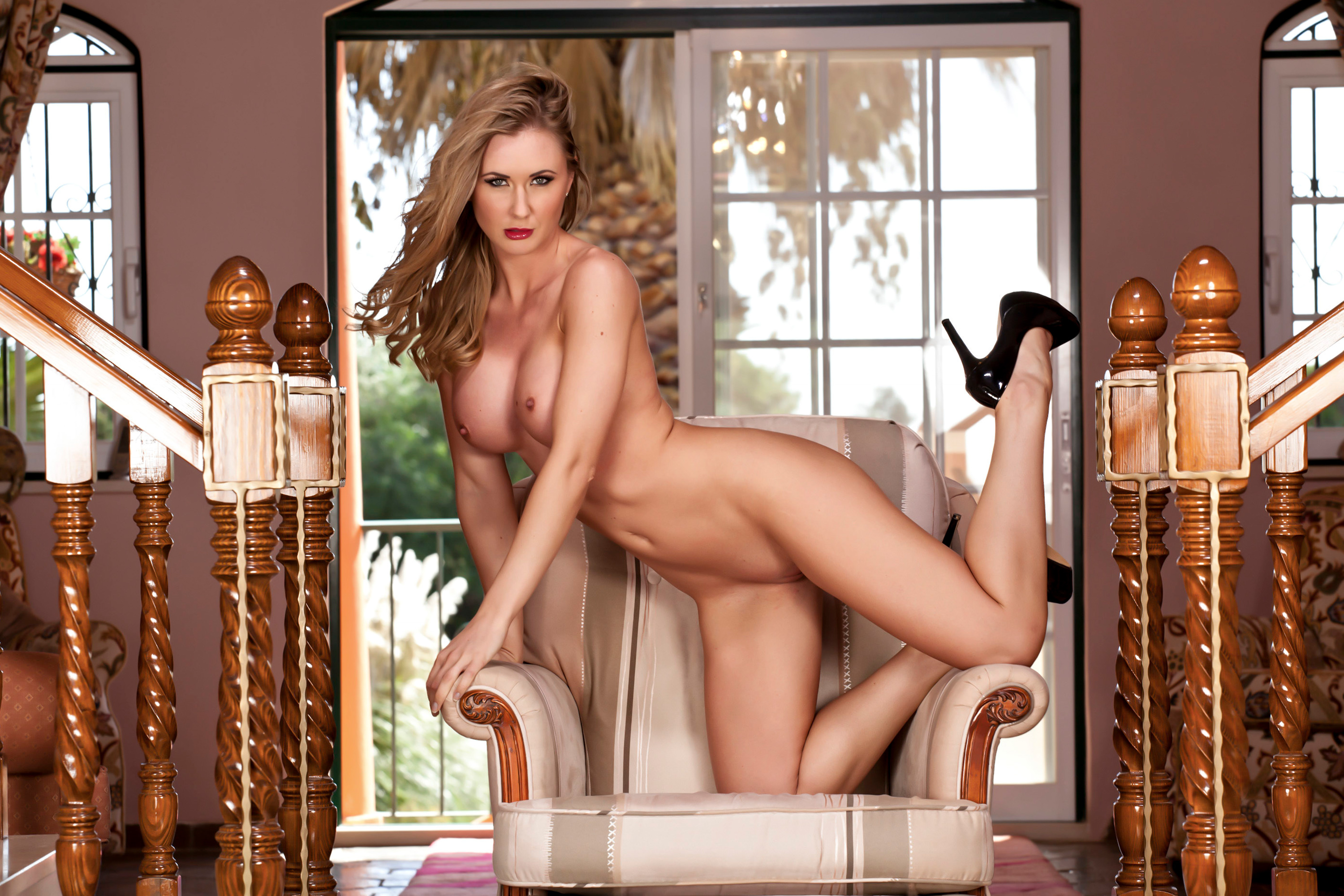 legs heels naked in glamour