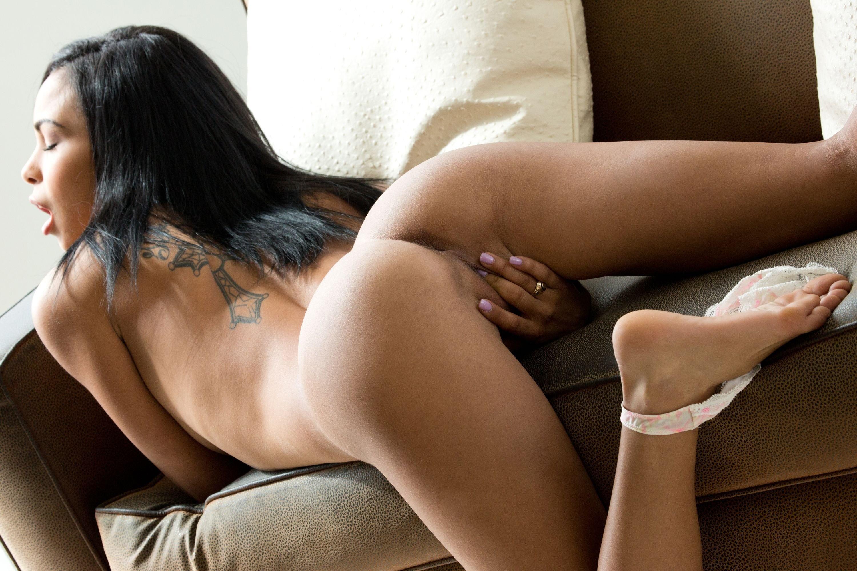 Gulliana alexis nude