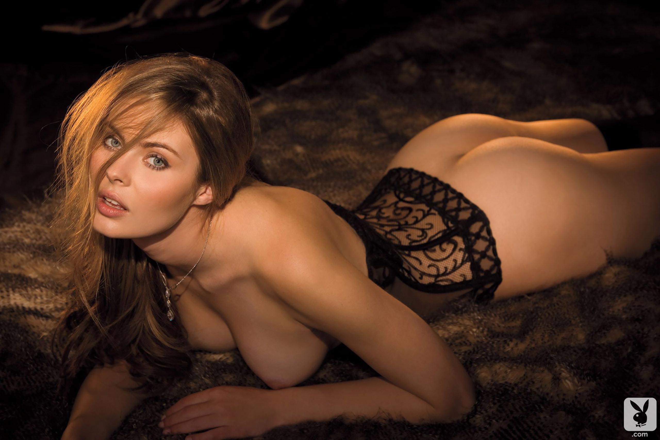 Sophia thomalla nude