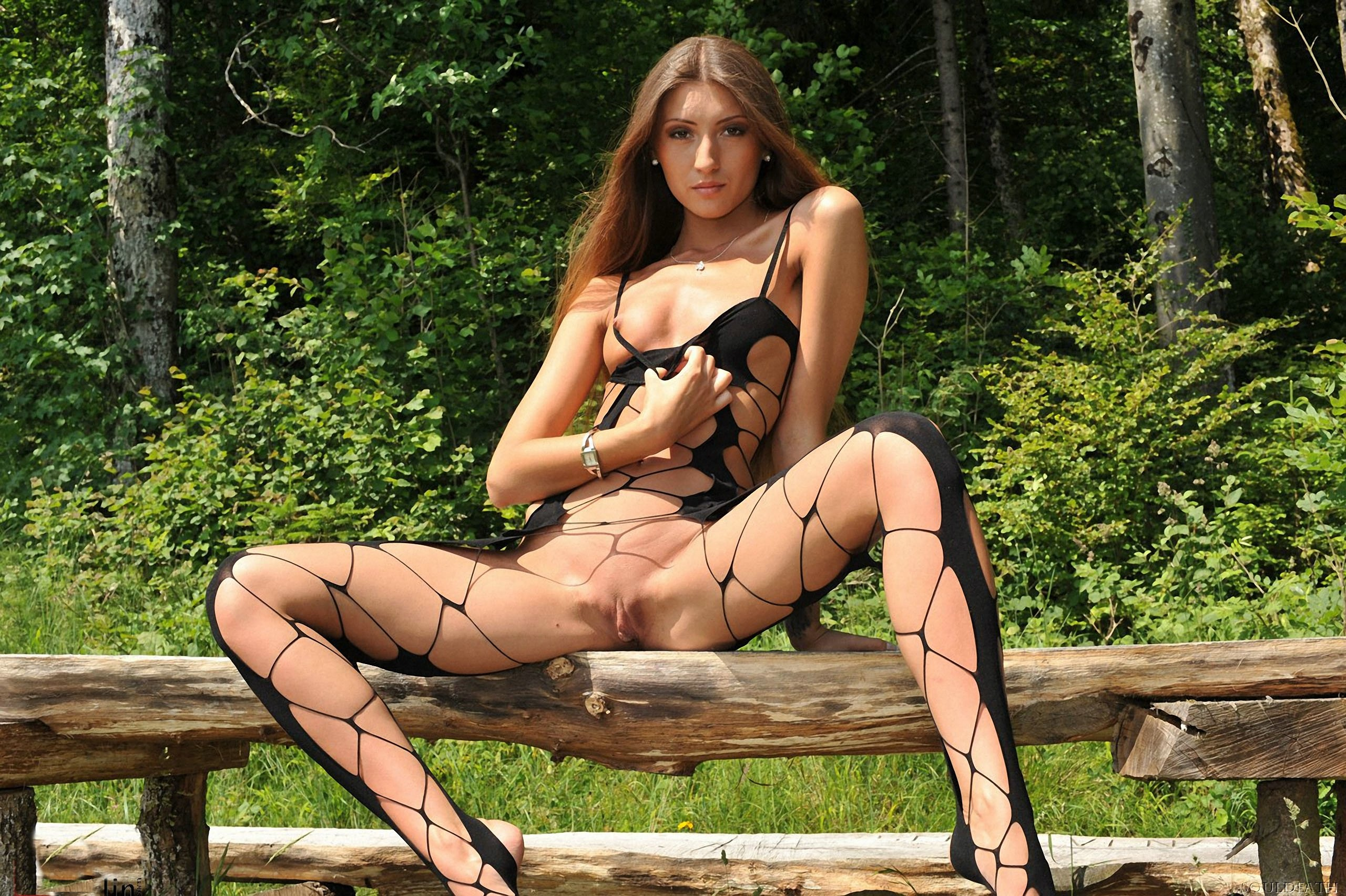 naked in fish nets