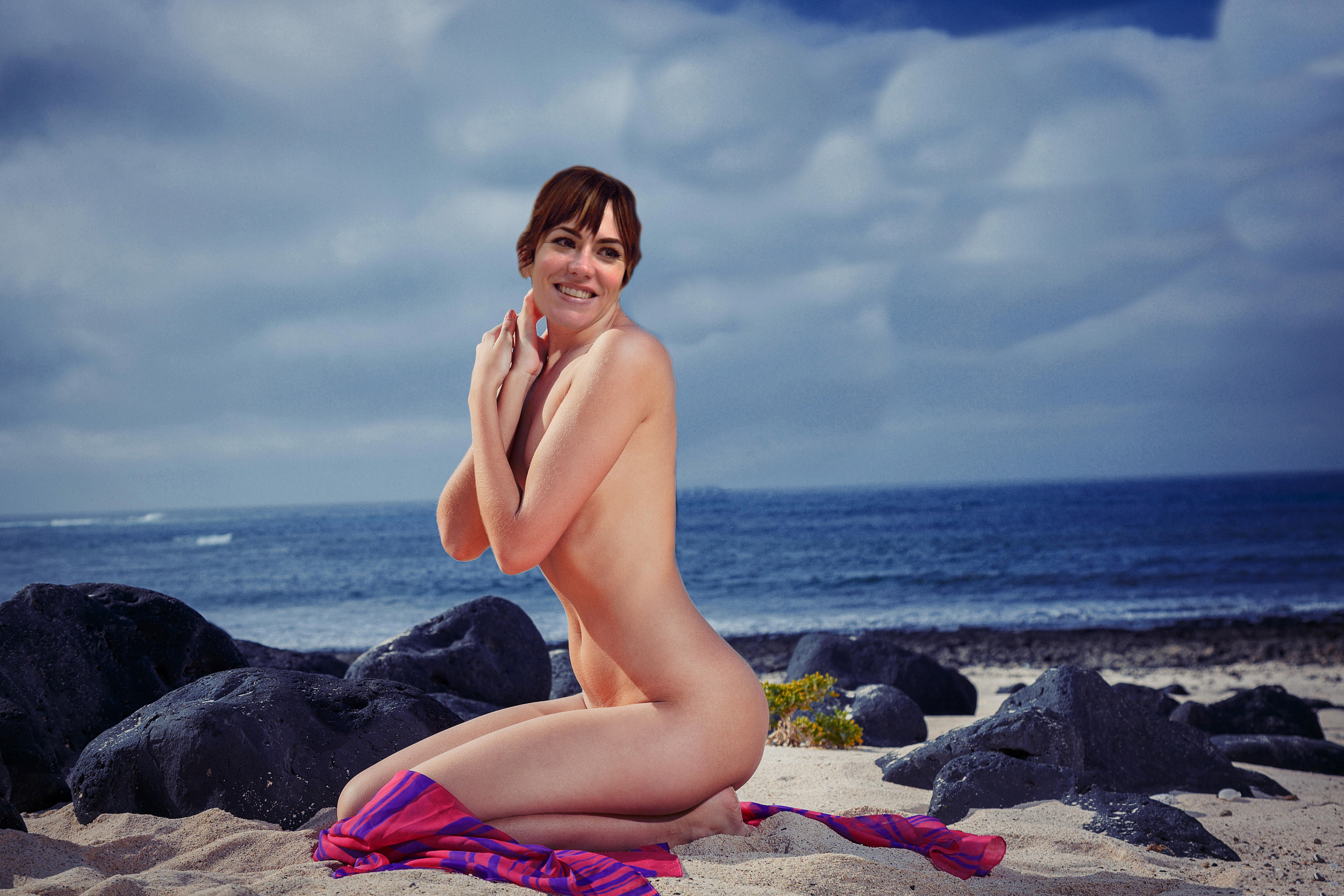 Maggie siff naked
