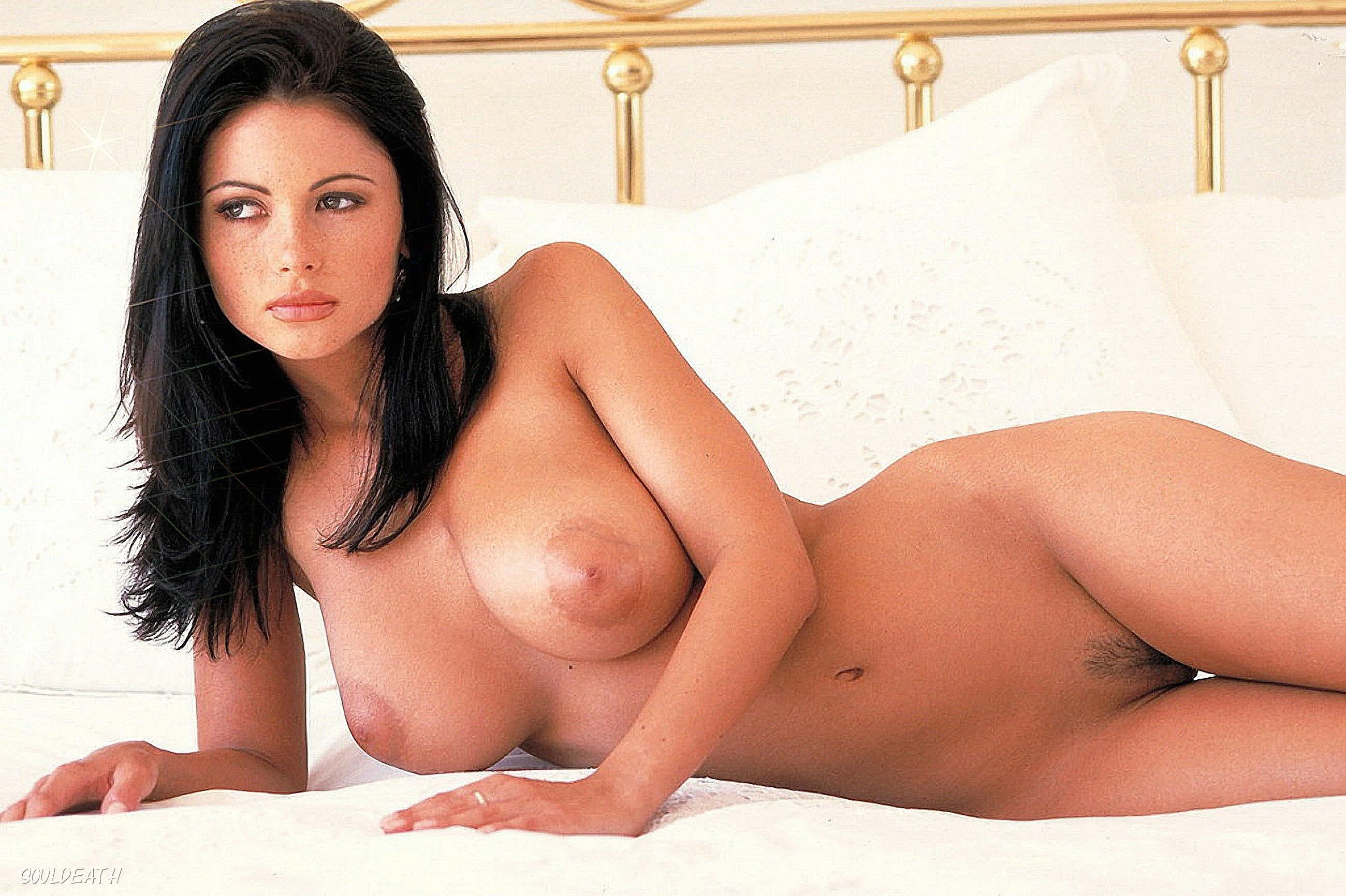 Чешская порно модель с большой грудью 19 фотография