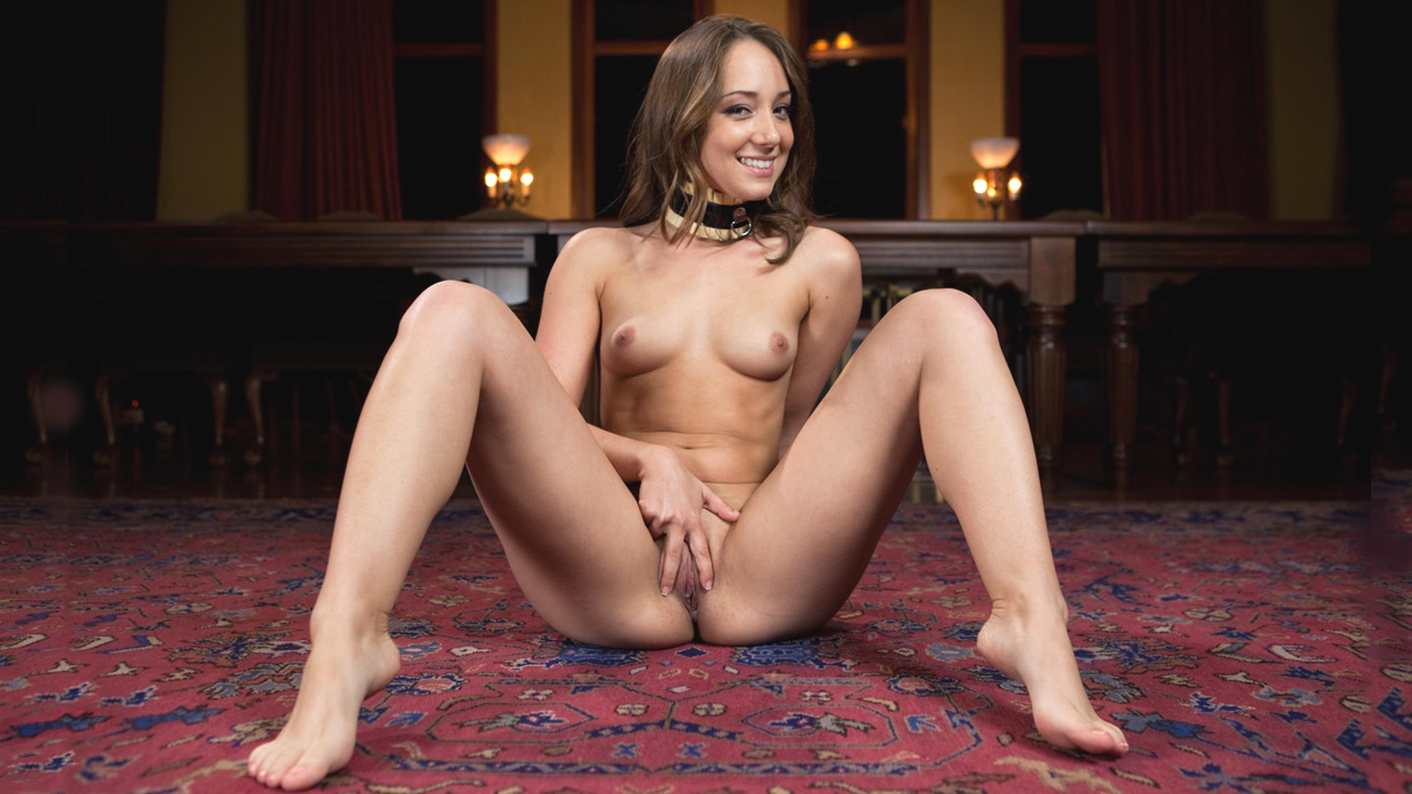 cute latina milf nude