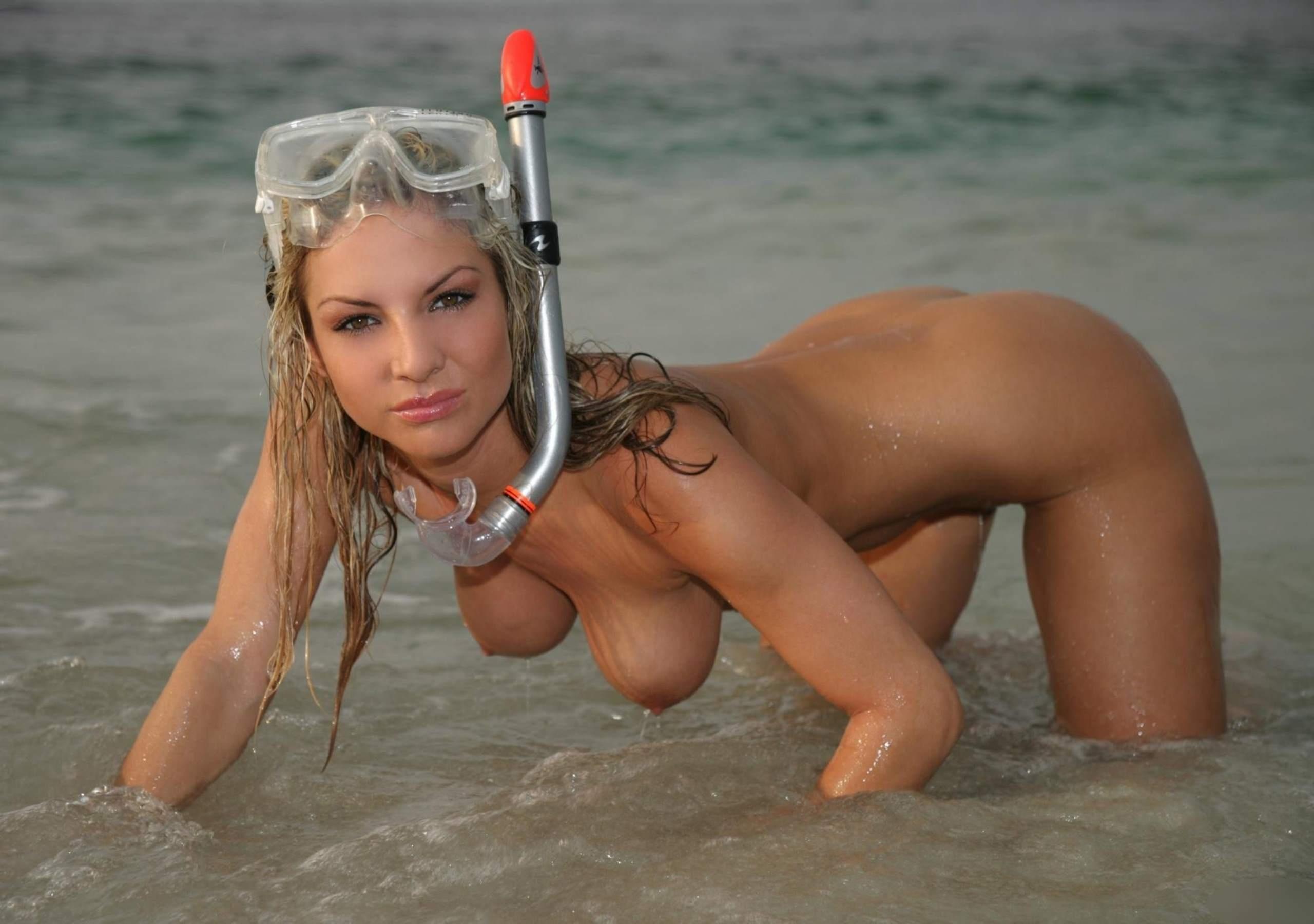 sexy-girl-snorkeling-porn