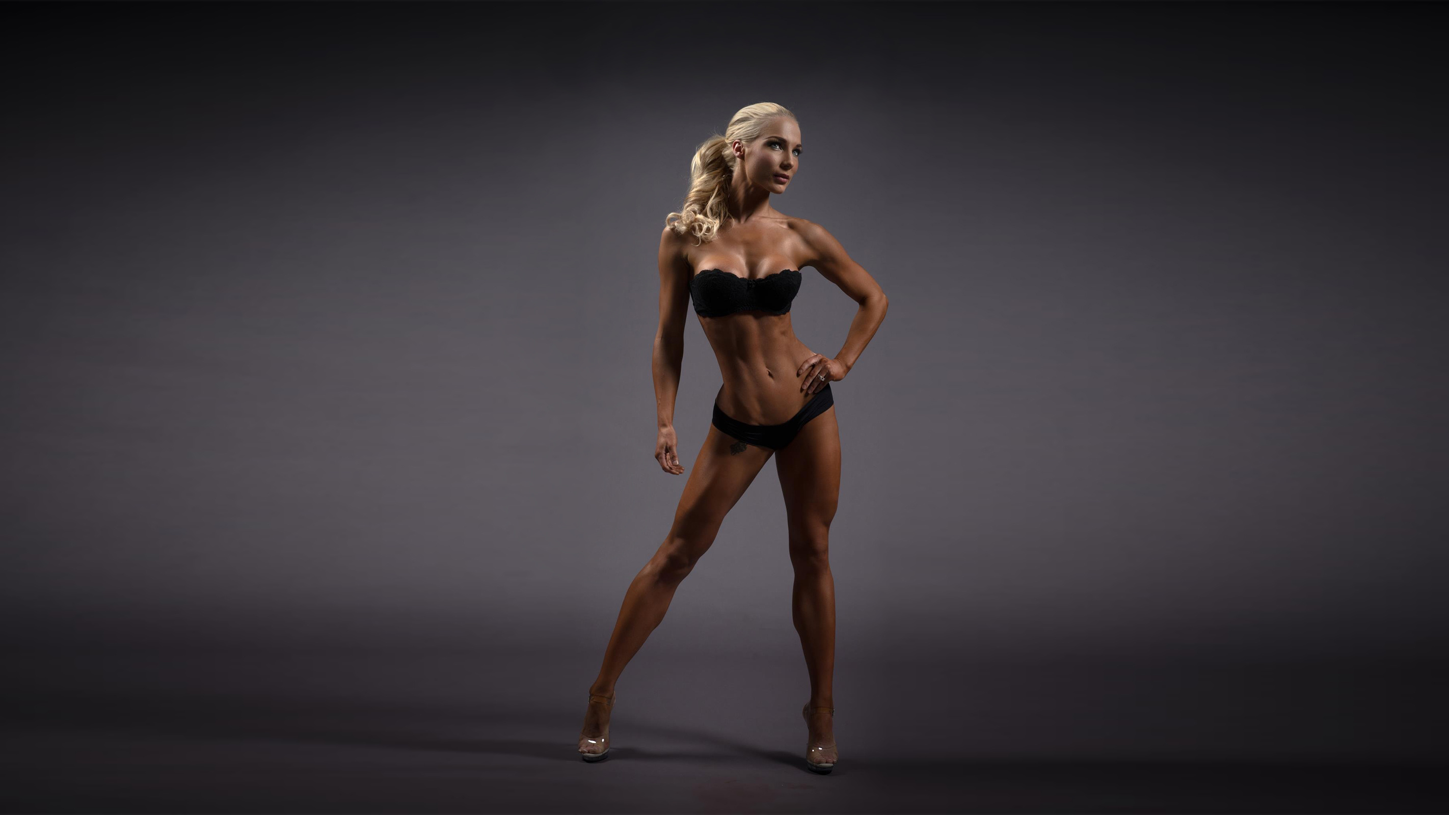 download photo 1920x1080 blonde athletic heels