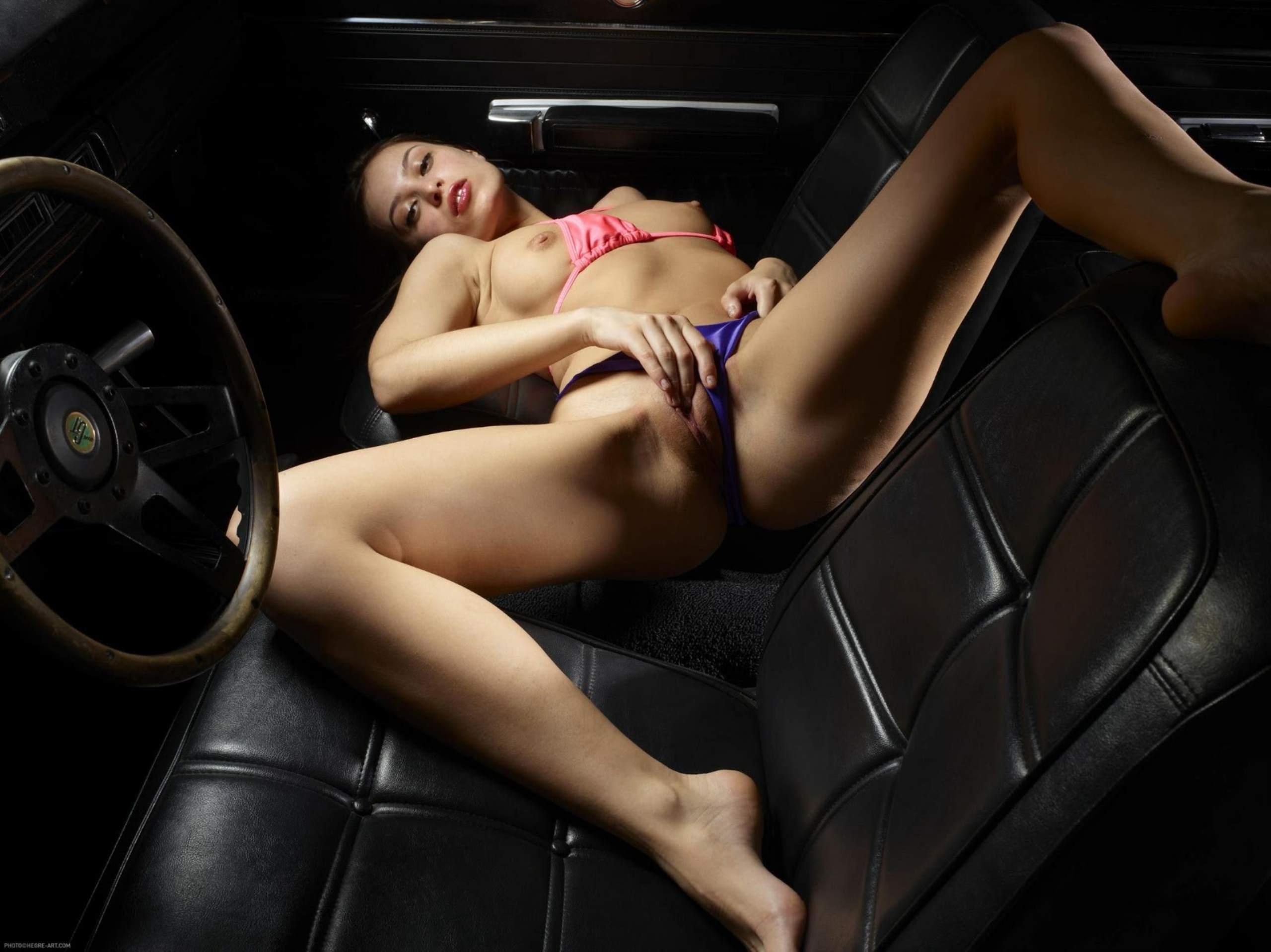 Секс на переднем сидении порно 3 фотография