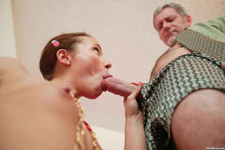 Сосет отцу мужа порно