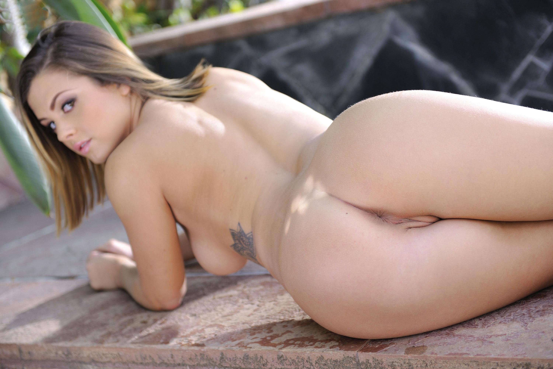 naked nichole