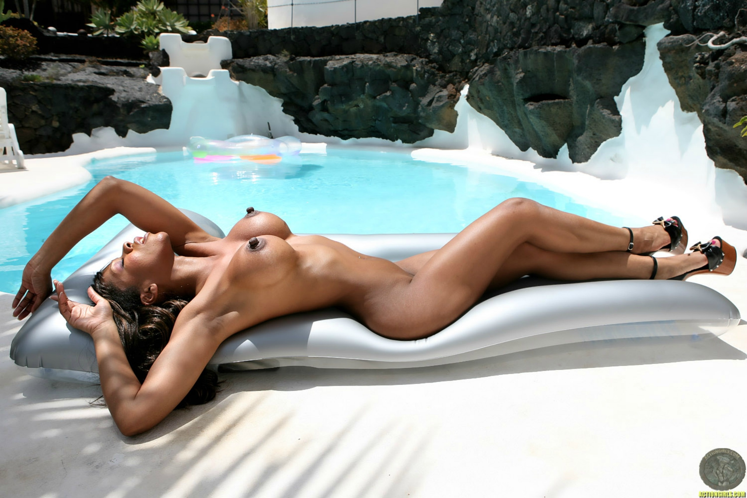 naked black fat sex in the pool