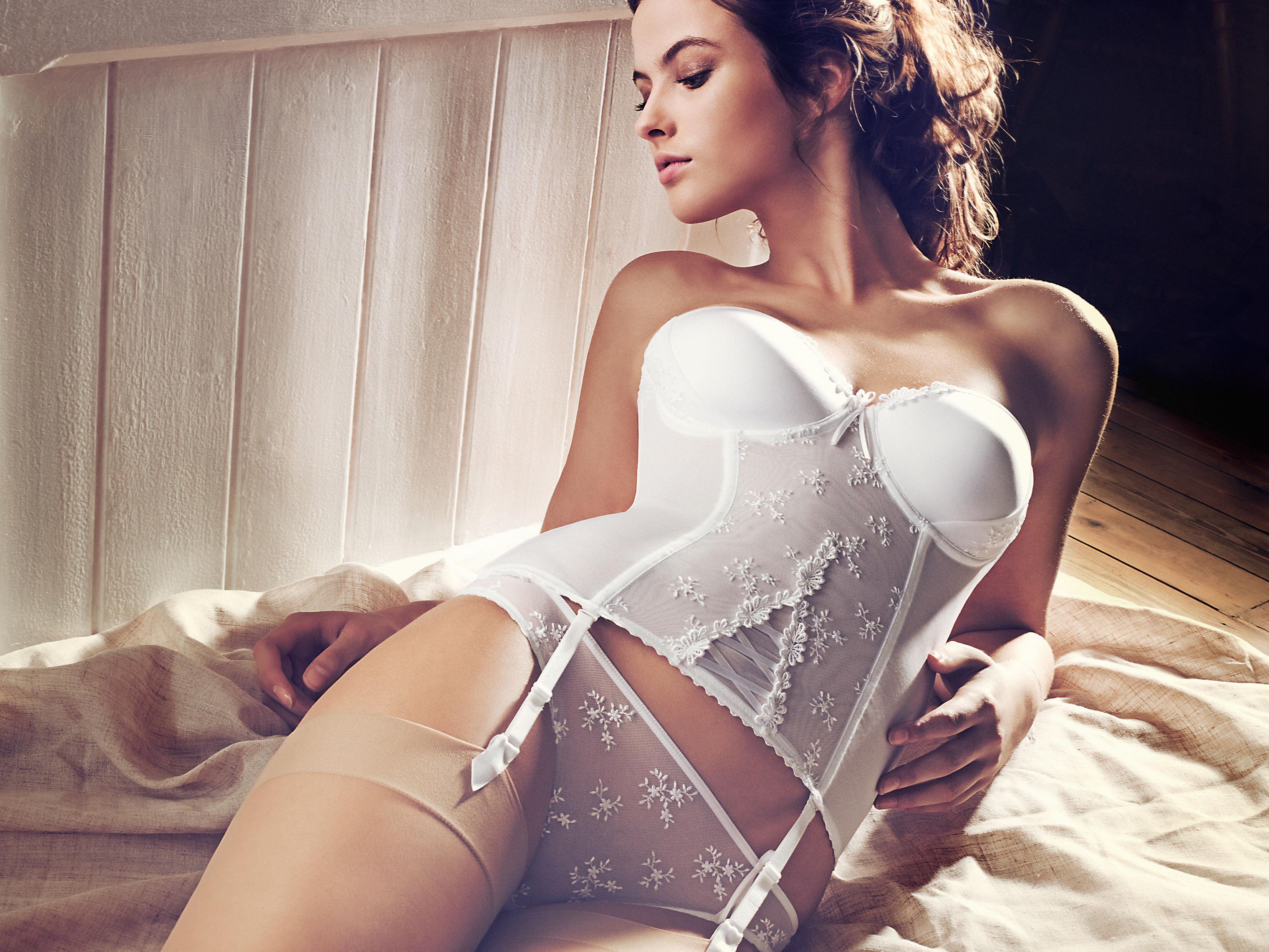 Фото жен в белом белье 8 фотография