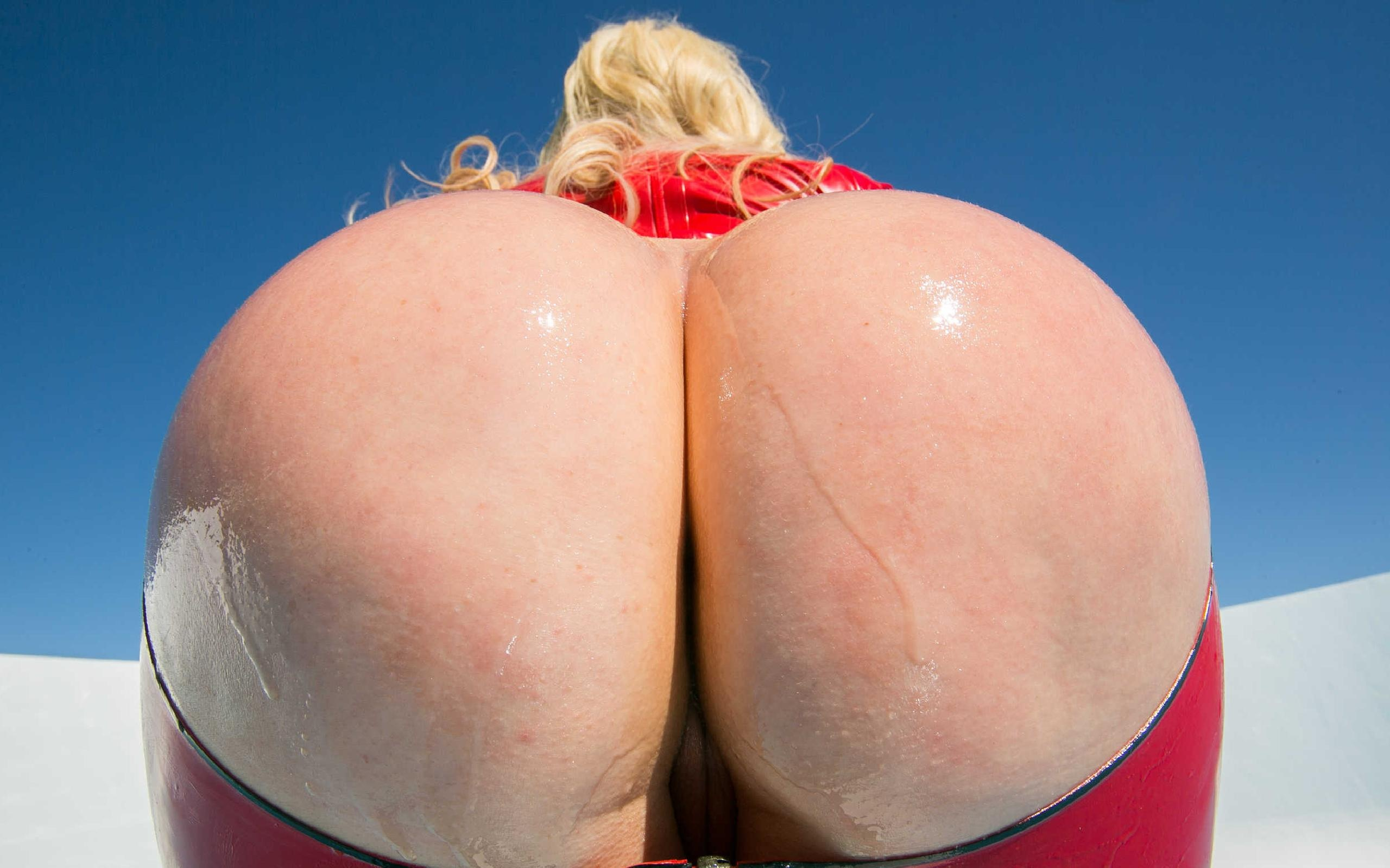 Nude pussy hairless women