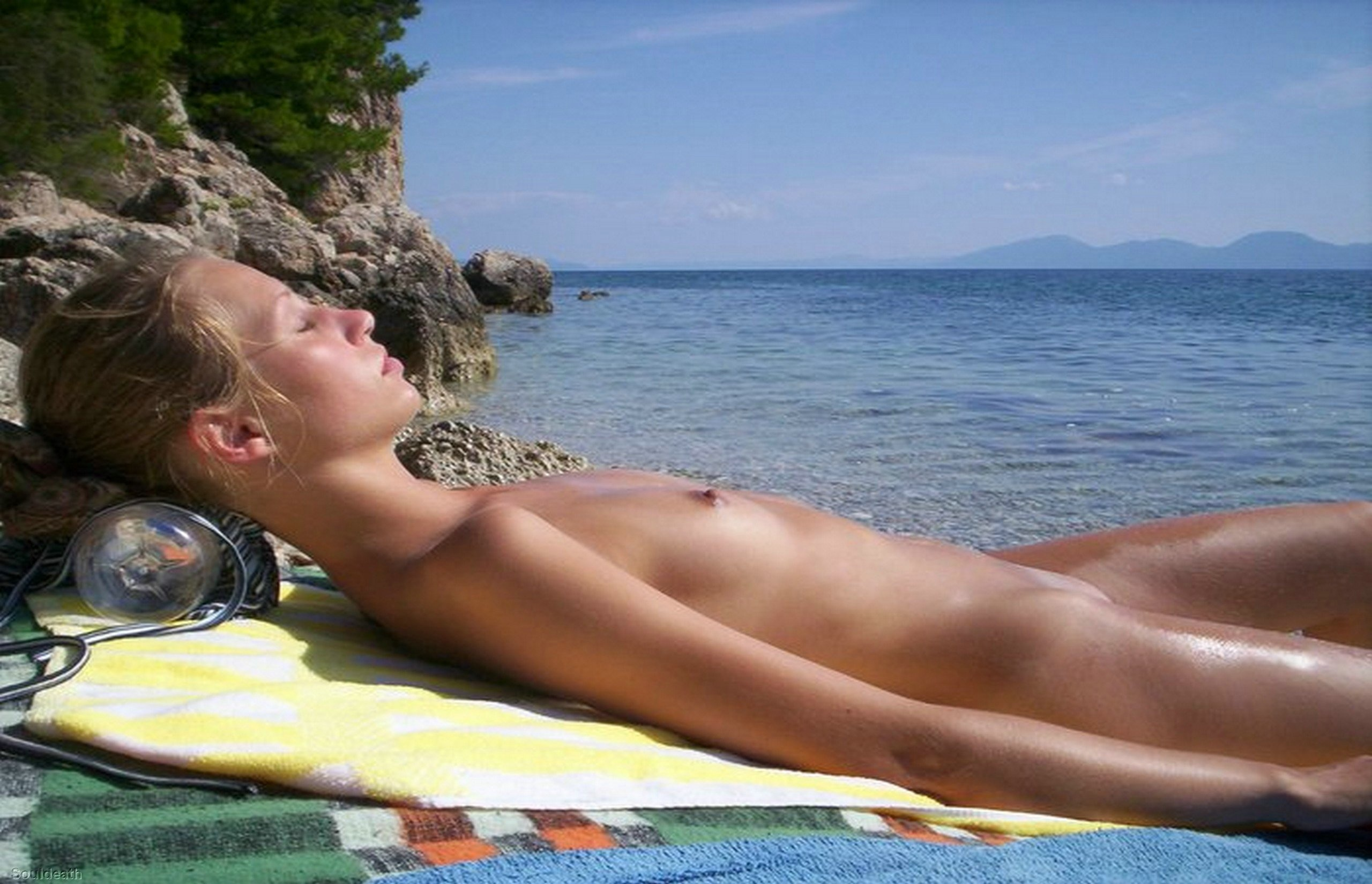 Nipples At The Beach-7696