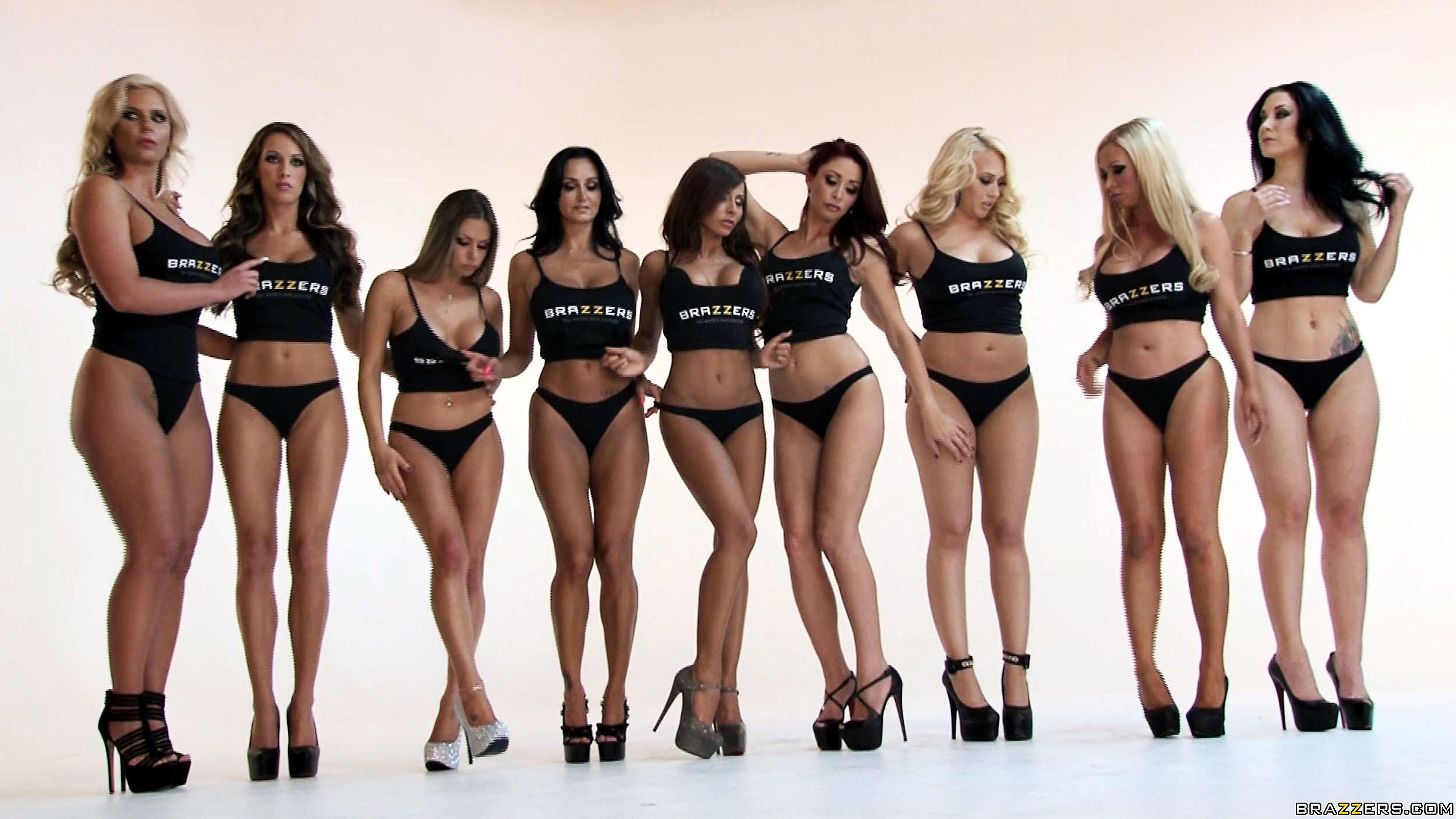 Masseurin Jade Presley verführt kurvige Latina Afrodita Venus zu dreier
